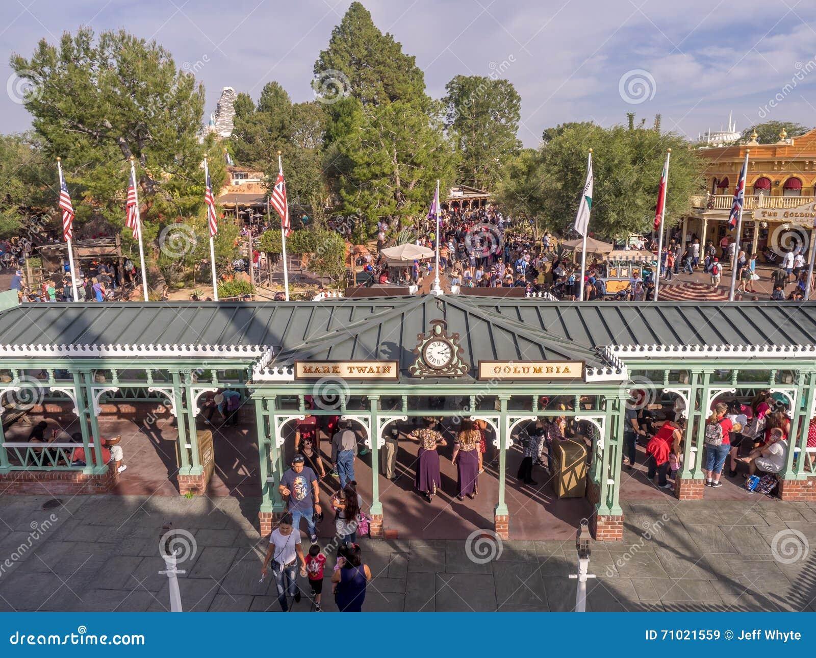Byggnader i Frontierland på Disneyland parkerar