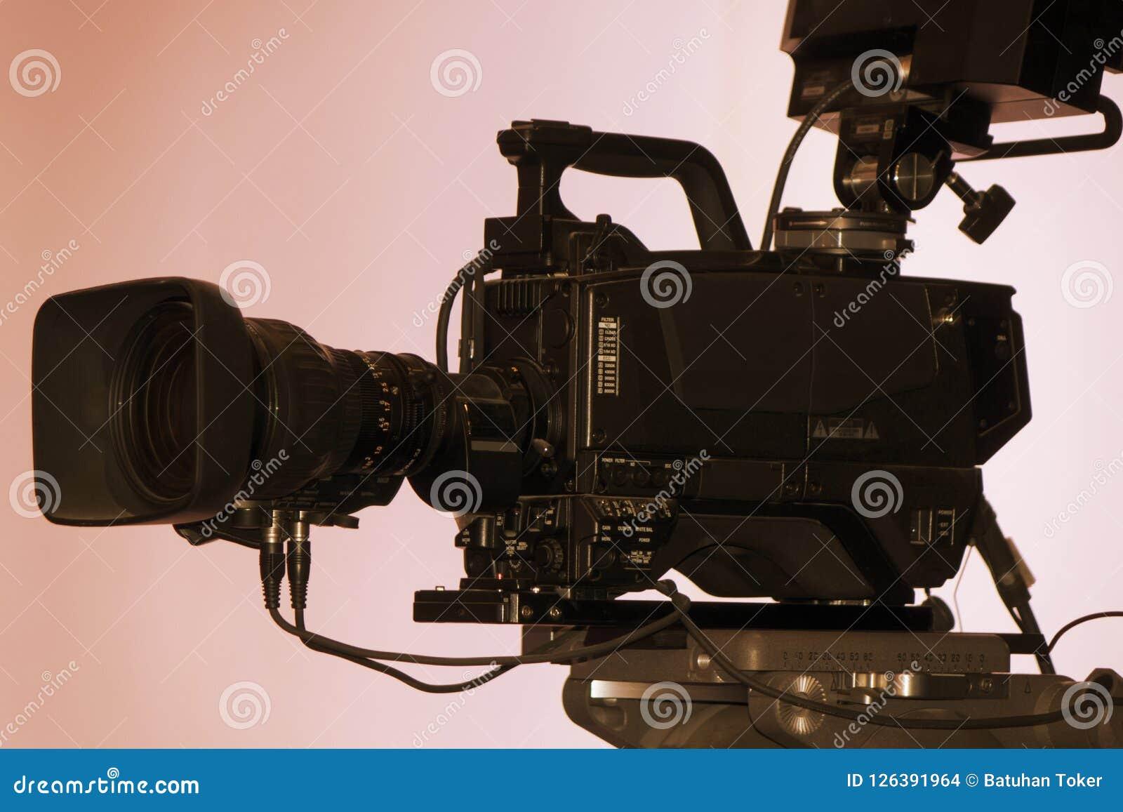 Cámara de vídeo - demostración de la grabación en estudio de la TV