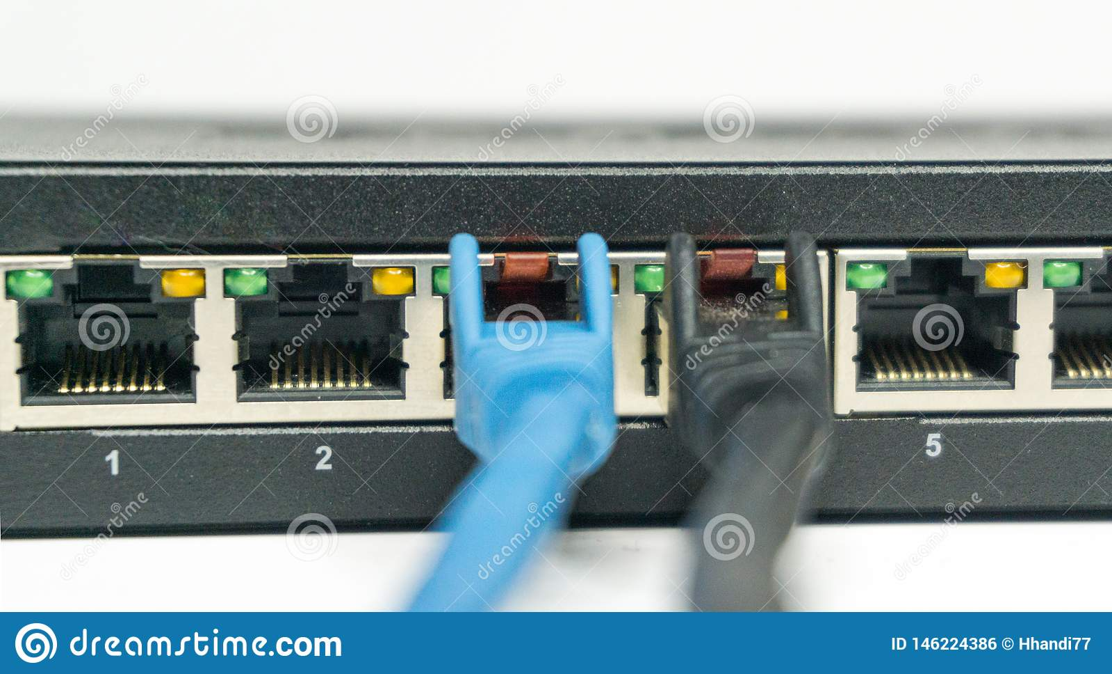 Câble de réseau et ports d un commutateur