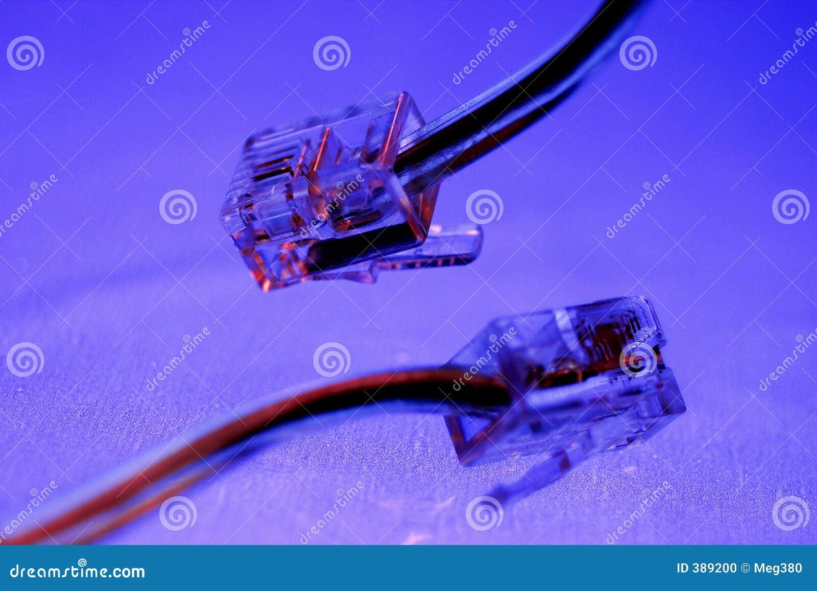 Câble et fiche de téléphone