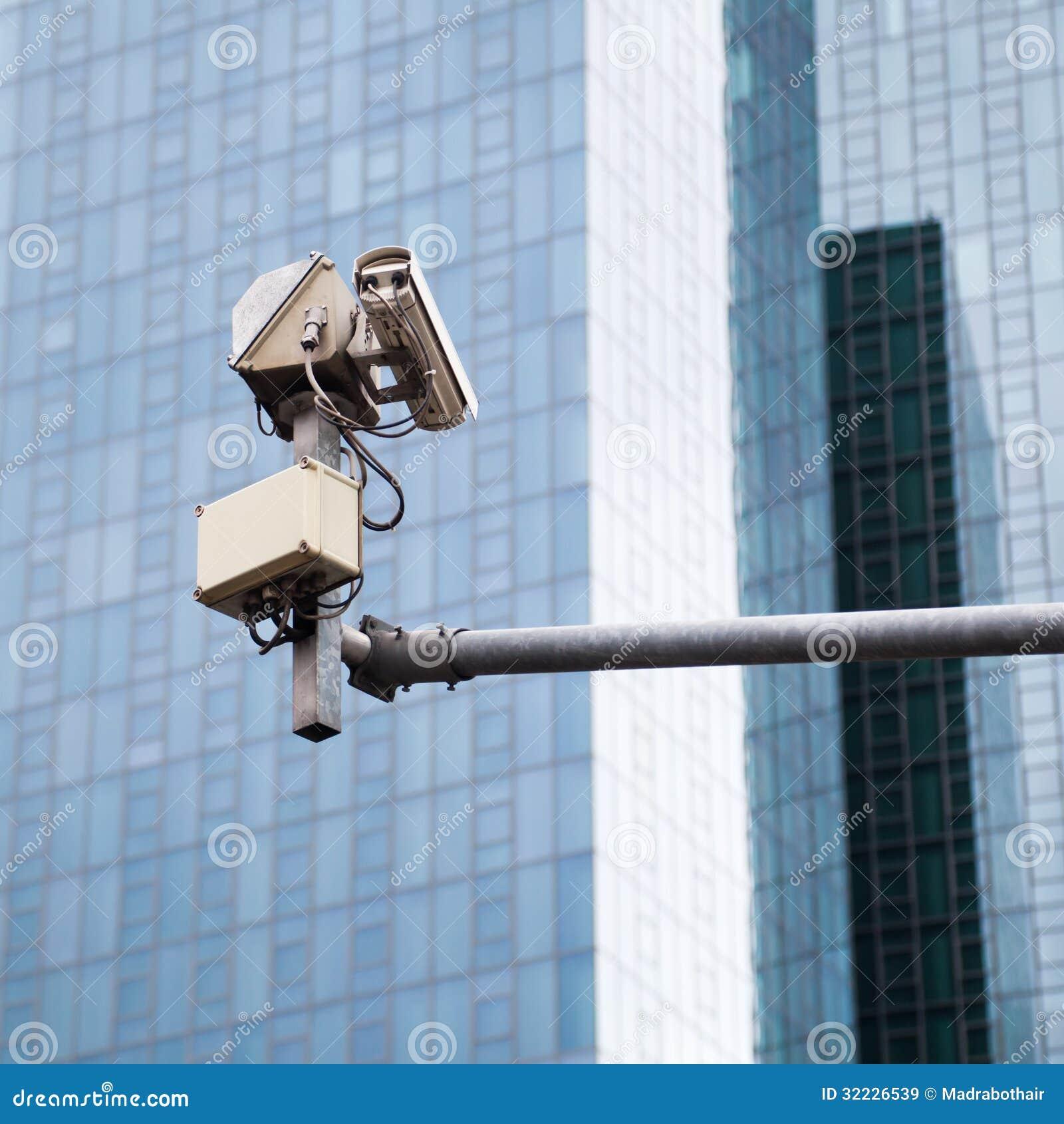 Download Câmara De Vigilância Da Rua Imagem de Stock - Imagem de público, cidade: 32226539