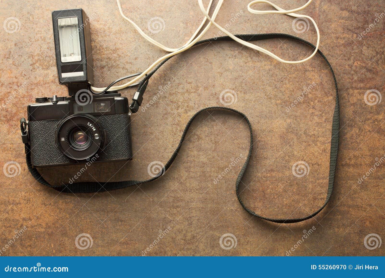 Câmera análoga velha com flash