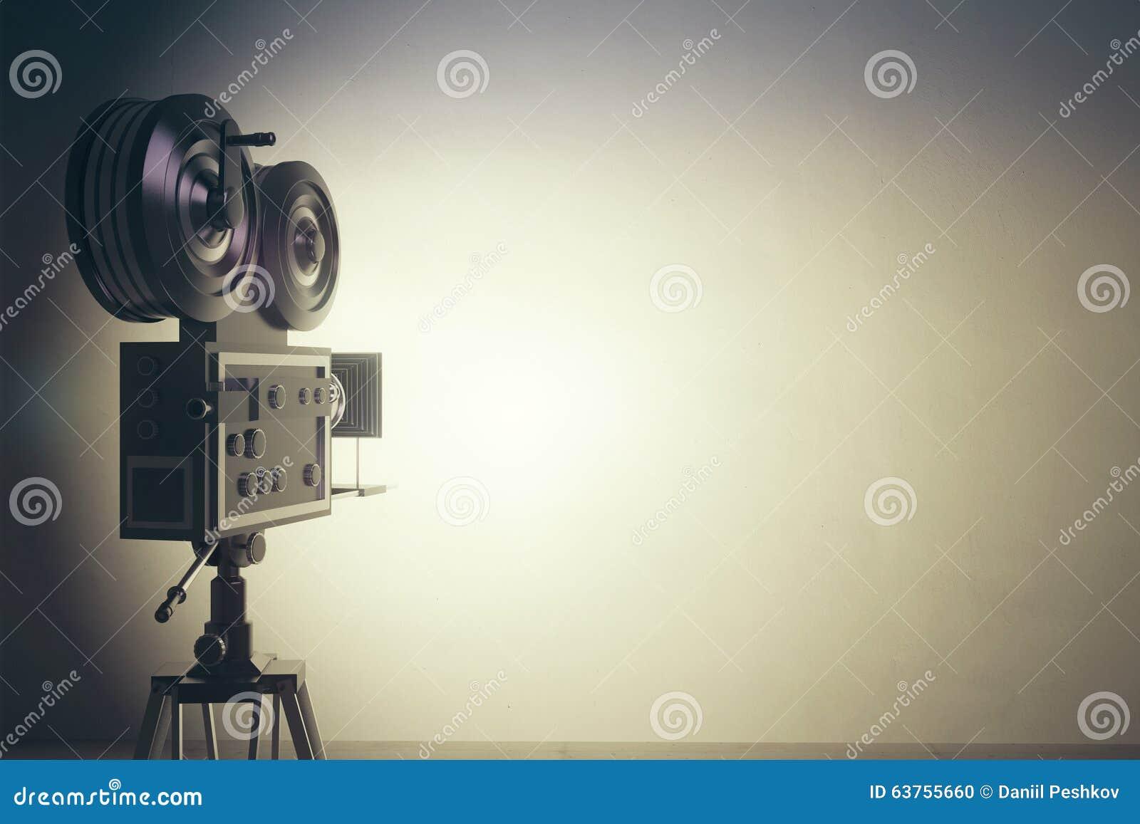 Câmera de filme do estilo antigo com parede branca, efeito da foto do vintage