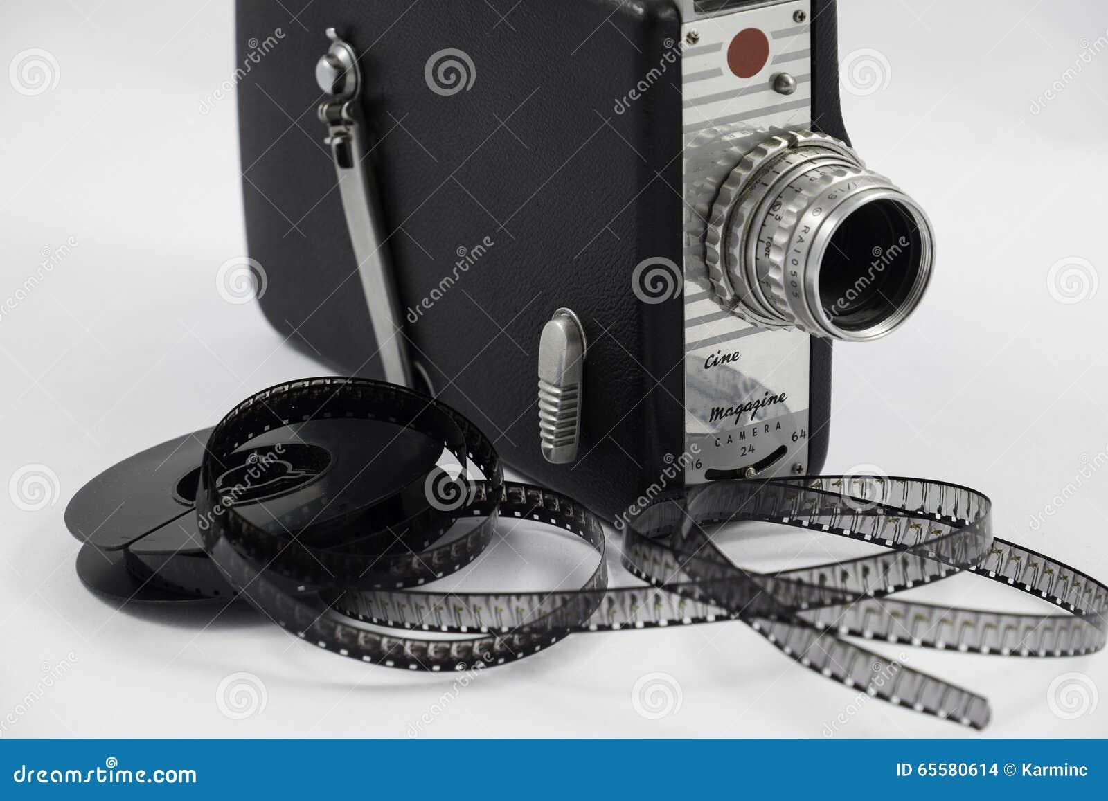 Câmera de filme e carretel de filme velhos
