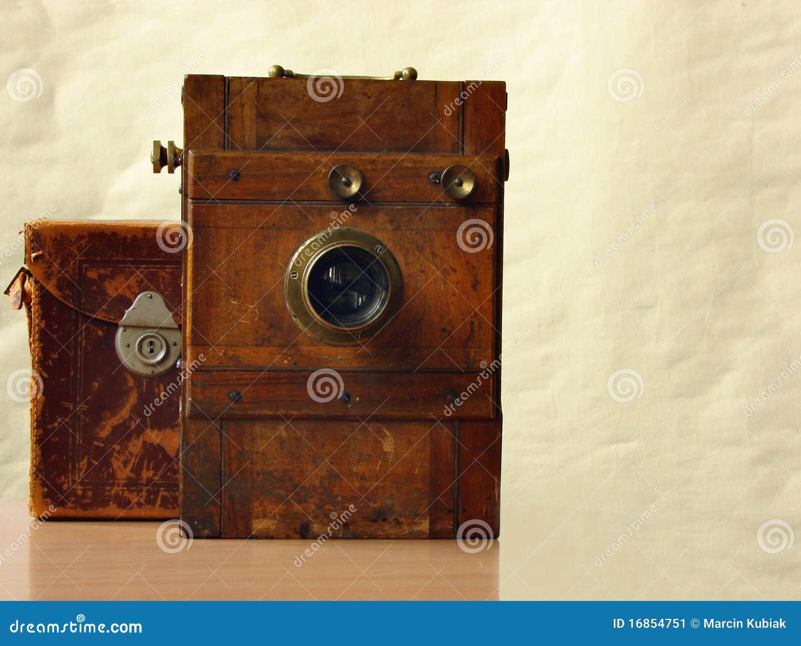 Câmera de madeira