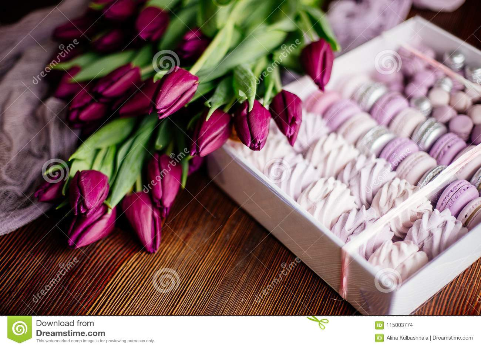 Céfiro, macarrones y tulipanes