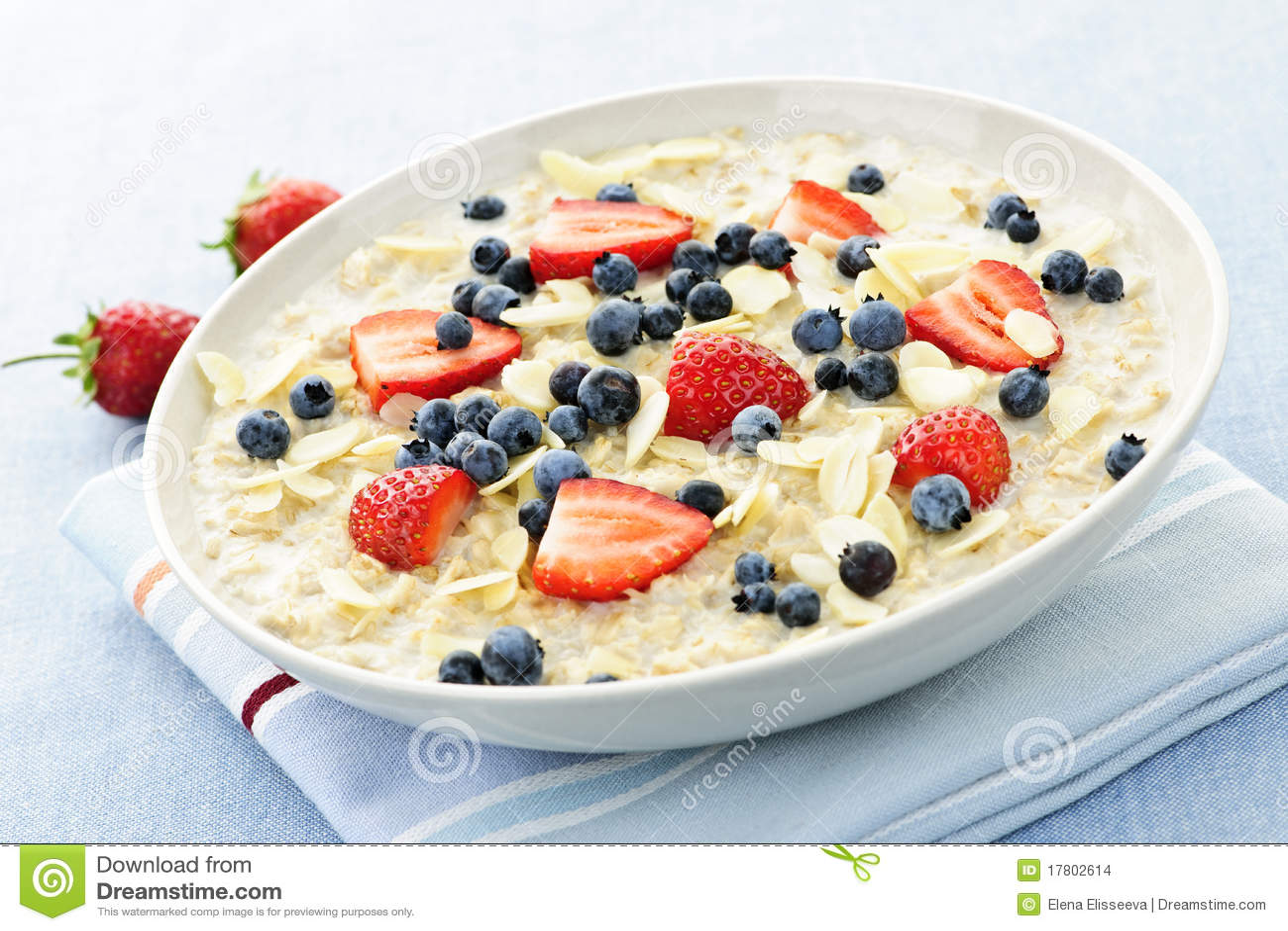 Céréale de petit déjeuner de farine d avoine avec des baies