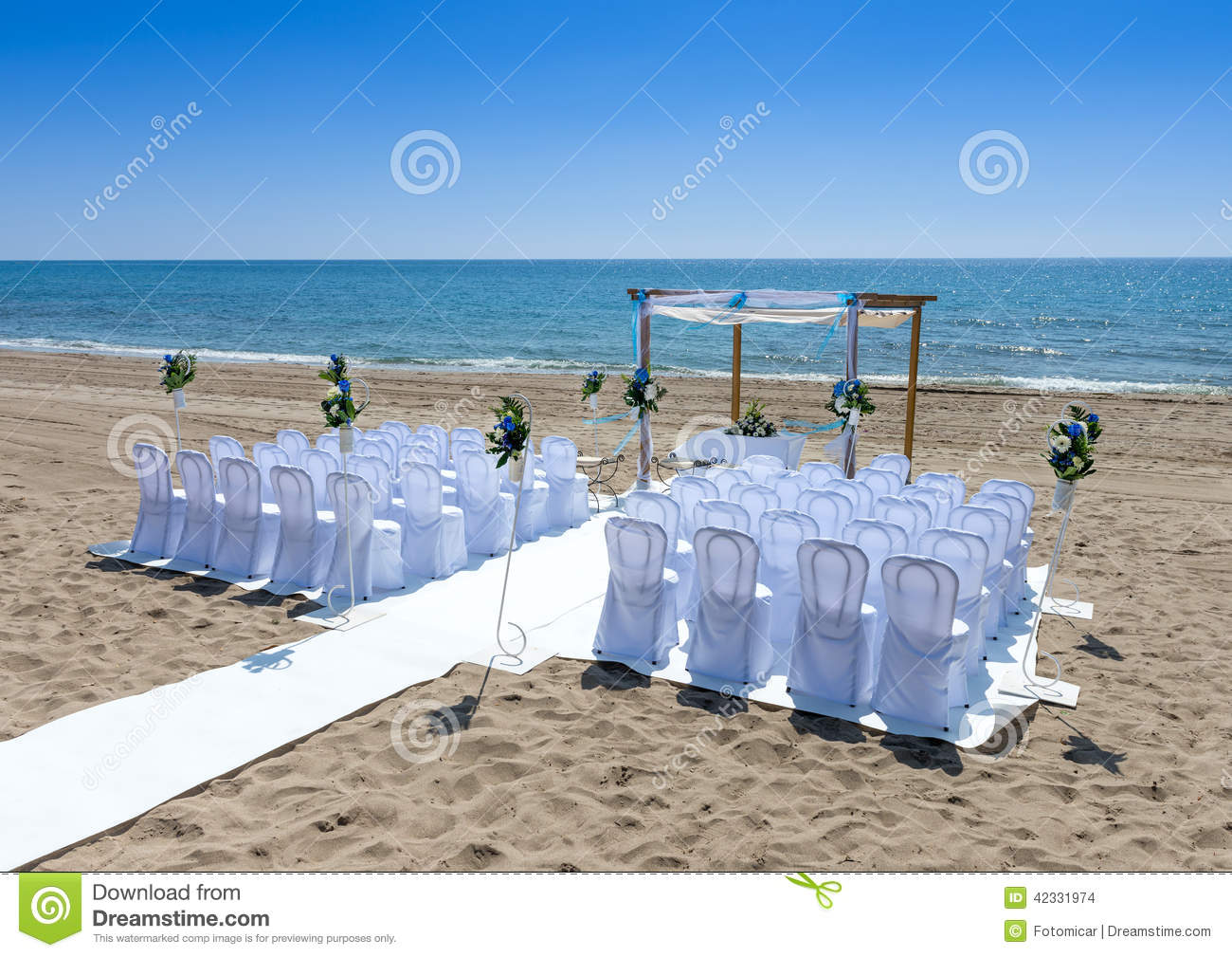 c r monie de mariage sur la plage photo stock image 42331974. Black Bedroom Furniture Sets. Home Design Ideas