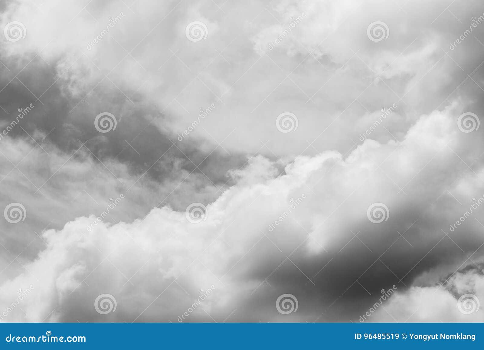Céu e nuvens [preto e branco]