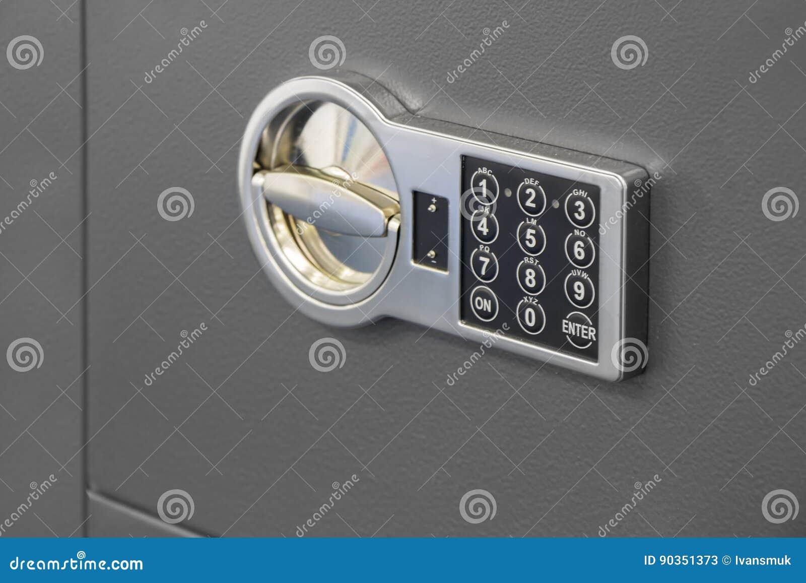 Código de fechamento seguro de Digitas em um cofre forte