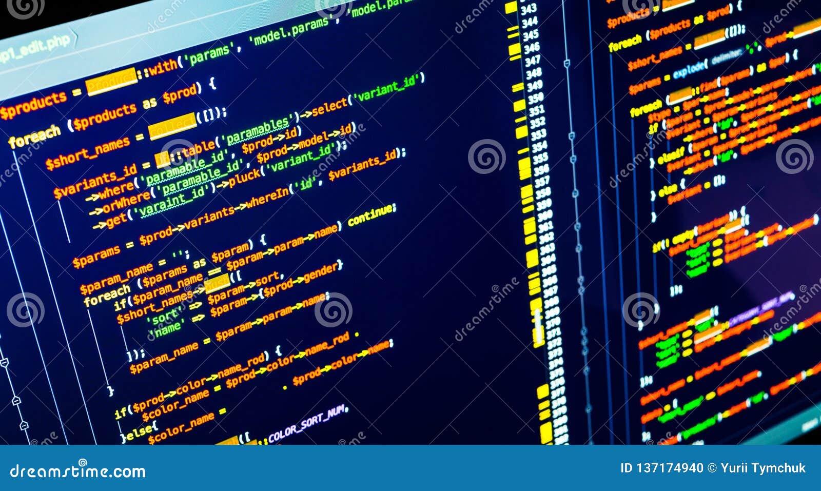Código en la pantalla, ascendente cercano del PHP del extremo El convertirse y concepto de programación de la web