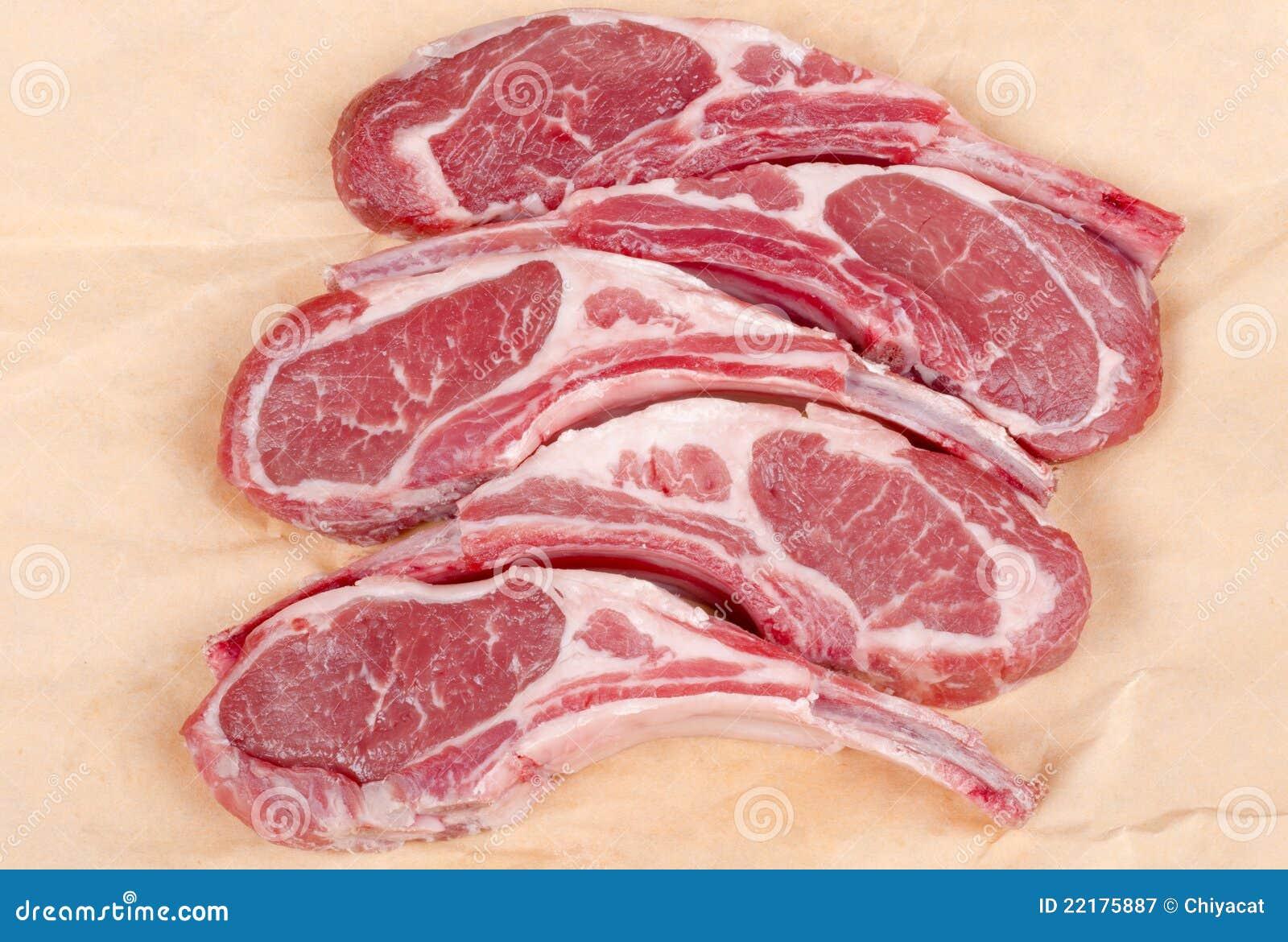 Côtelettes d agneau crues