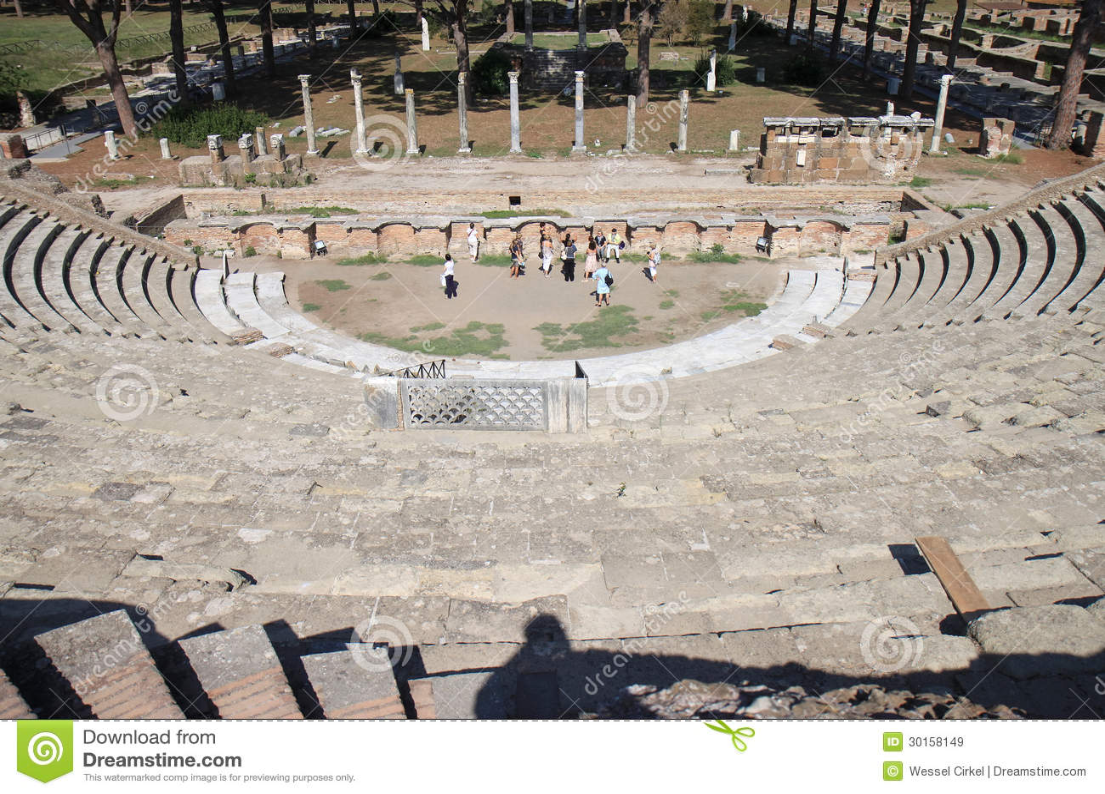 Ruines d 39 amfitheatre ostia antica italie image stock for Mr arredamenti ostia antica