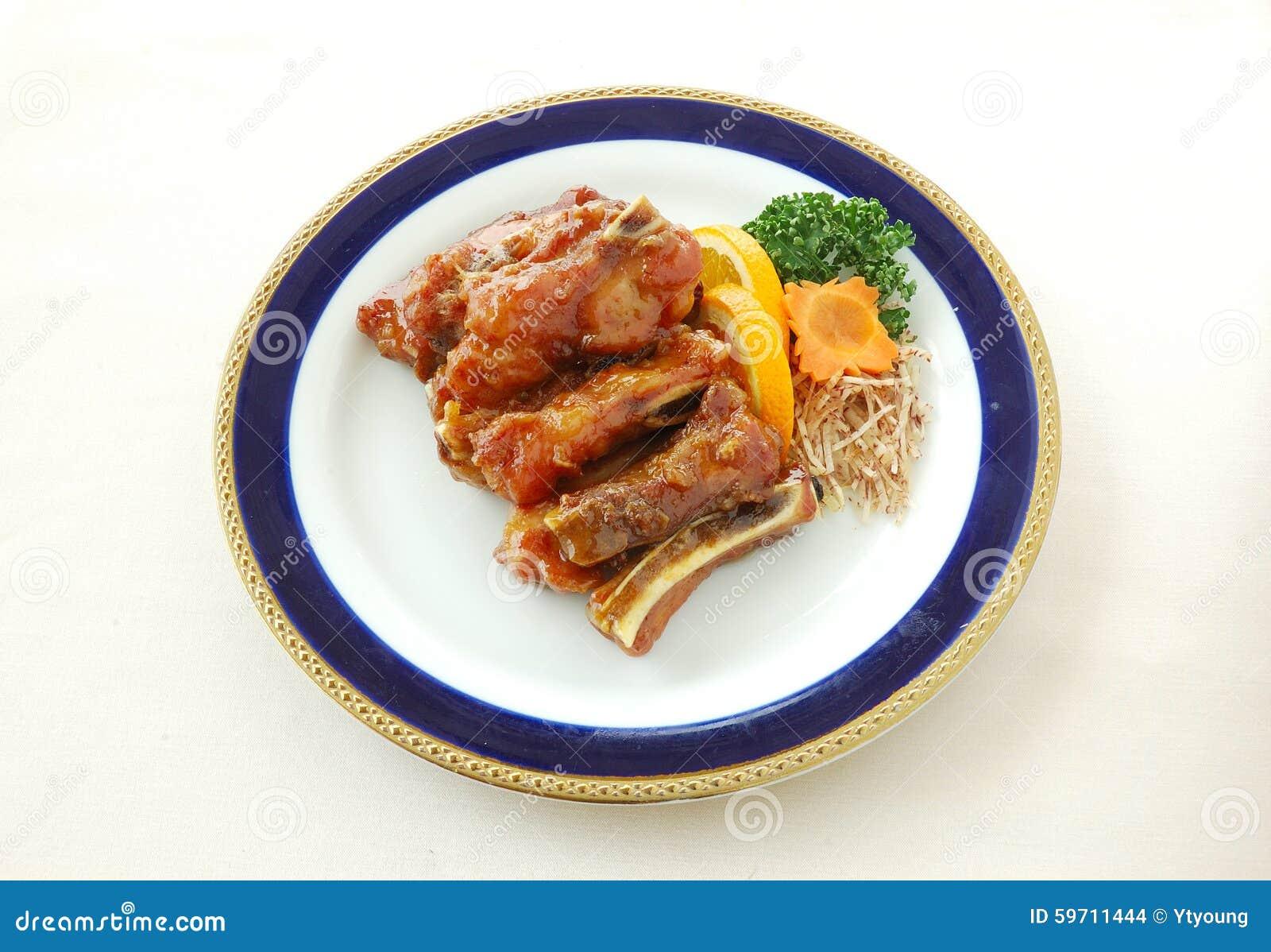 Côtelette de porc frite avec la sauce aigre-doux