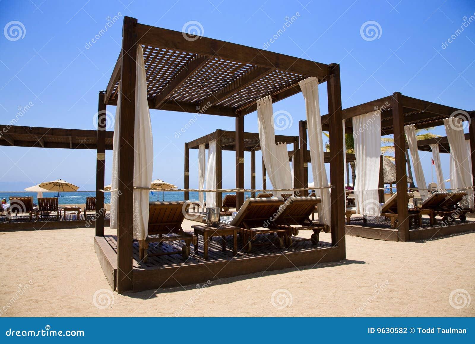 Caba a de la playa foto de archivo imagen de agua azul for Cabanas en el agua bali