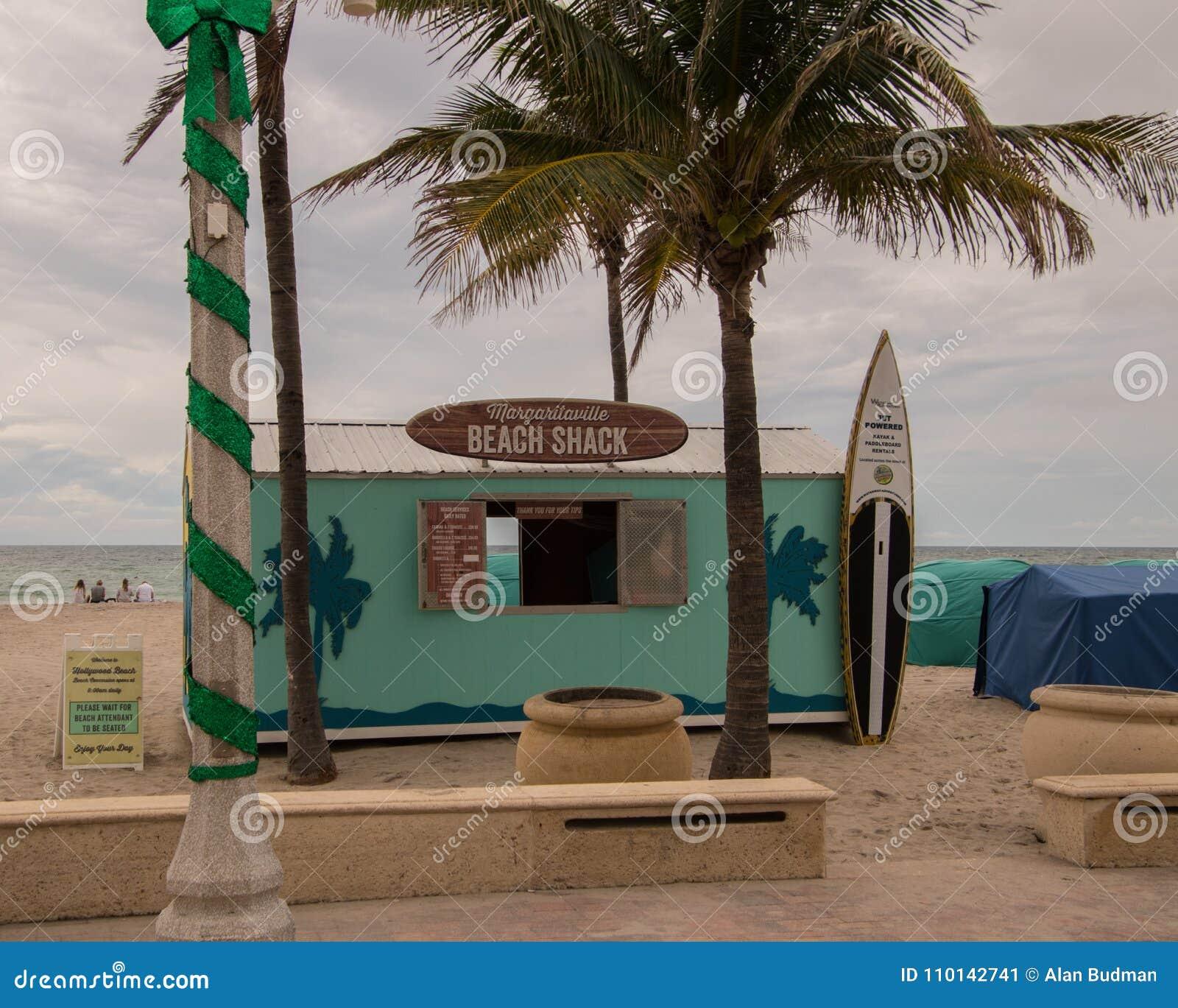 Cabaña de la playa de Margaritaville por el océano