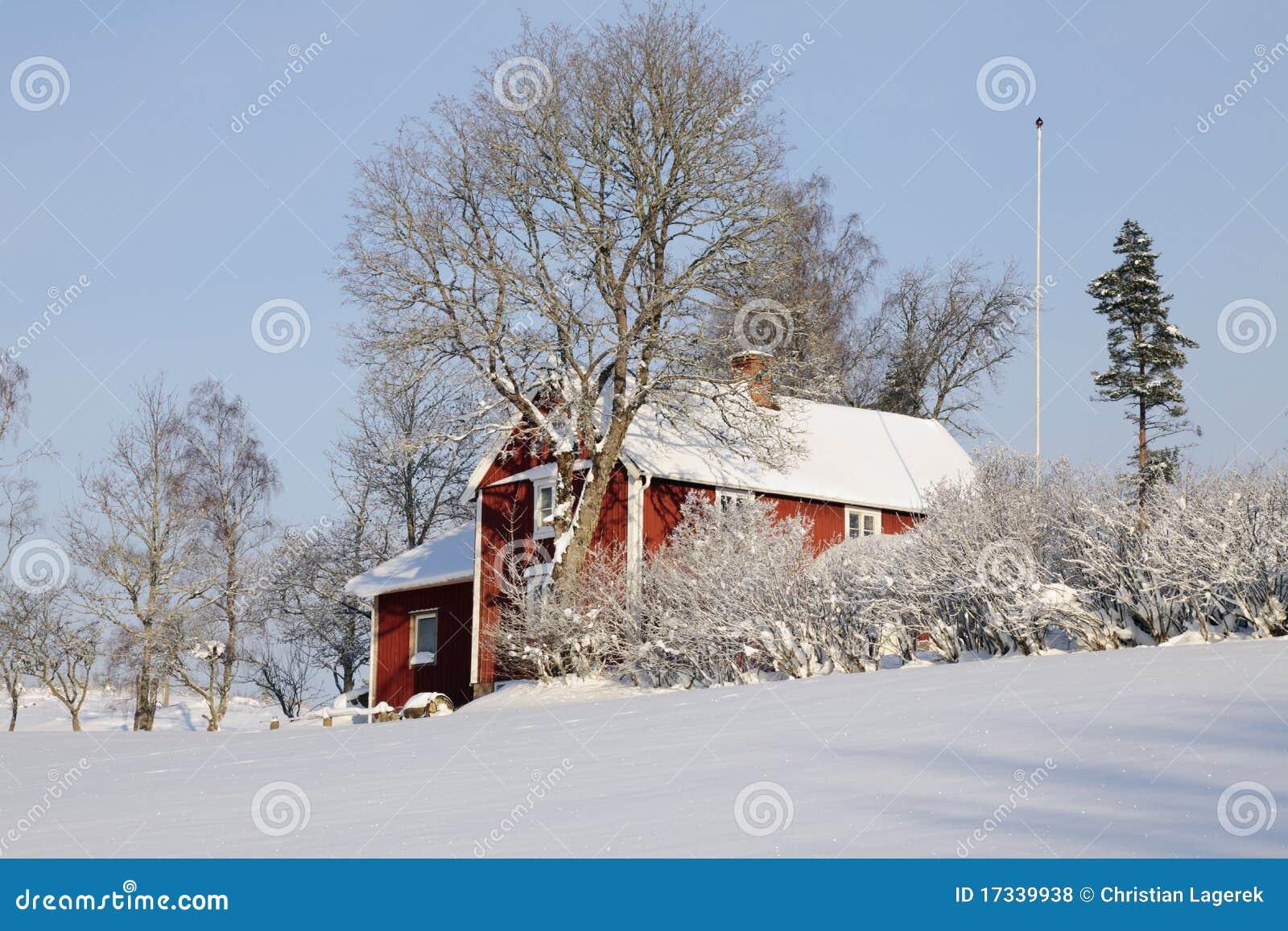 Caba a roja y paisaje del invierno fotos de archivo libres de regal as imagen 17339938 - Cabana invierno ...