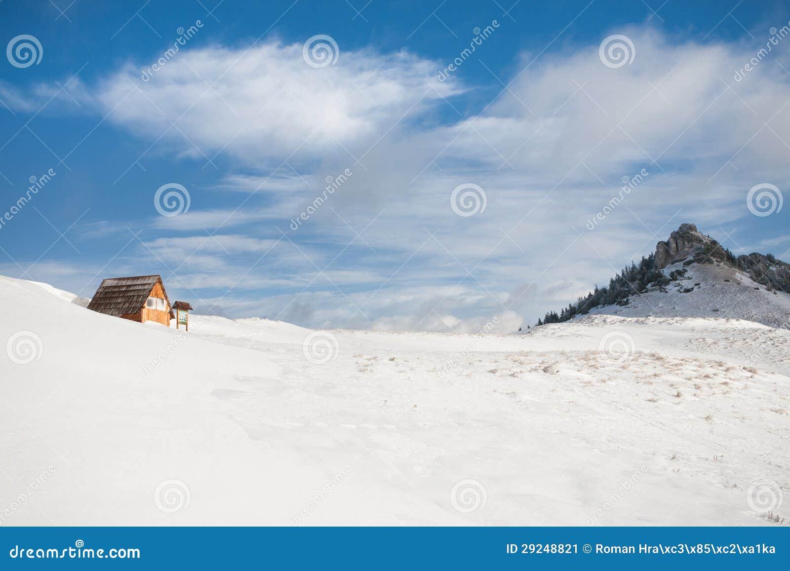Download Cabana Da Montanha Do Turista Imagem de Stock - Imagem de outdoor, oriental: 29248821