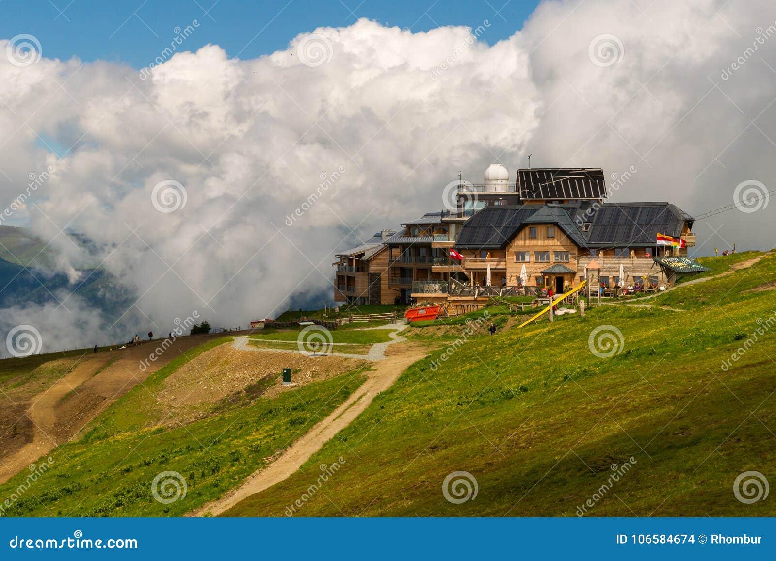 Cabana de Pacheiner na montanha de Gerlitzen