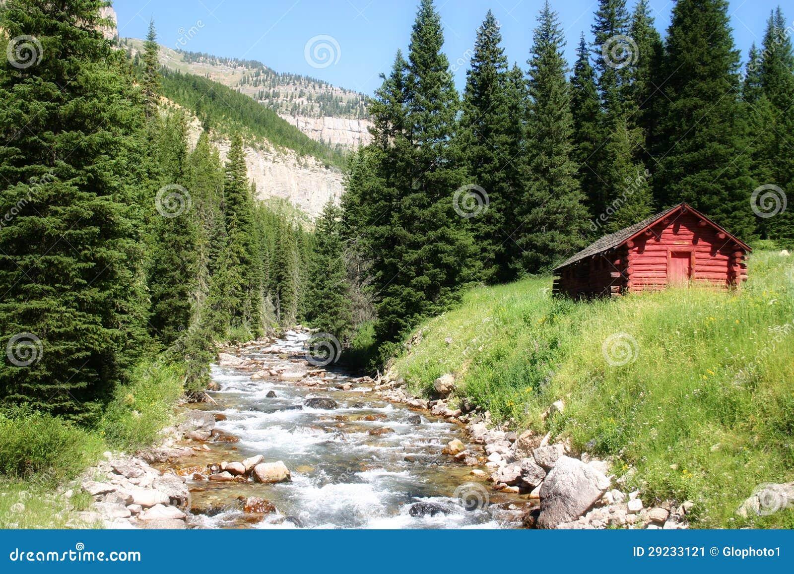 Download Cabana Rústica De Madeira Na Angra Do Granito Imagem de Stock - Imagem de cabine, granito: 29233121