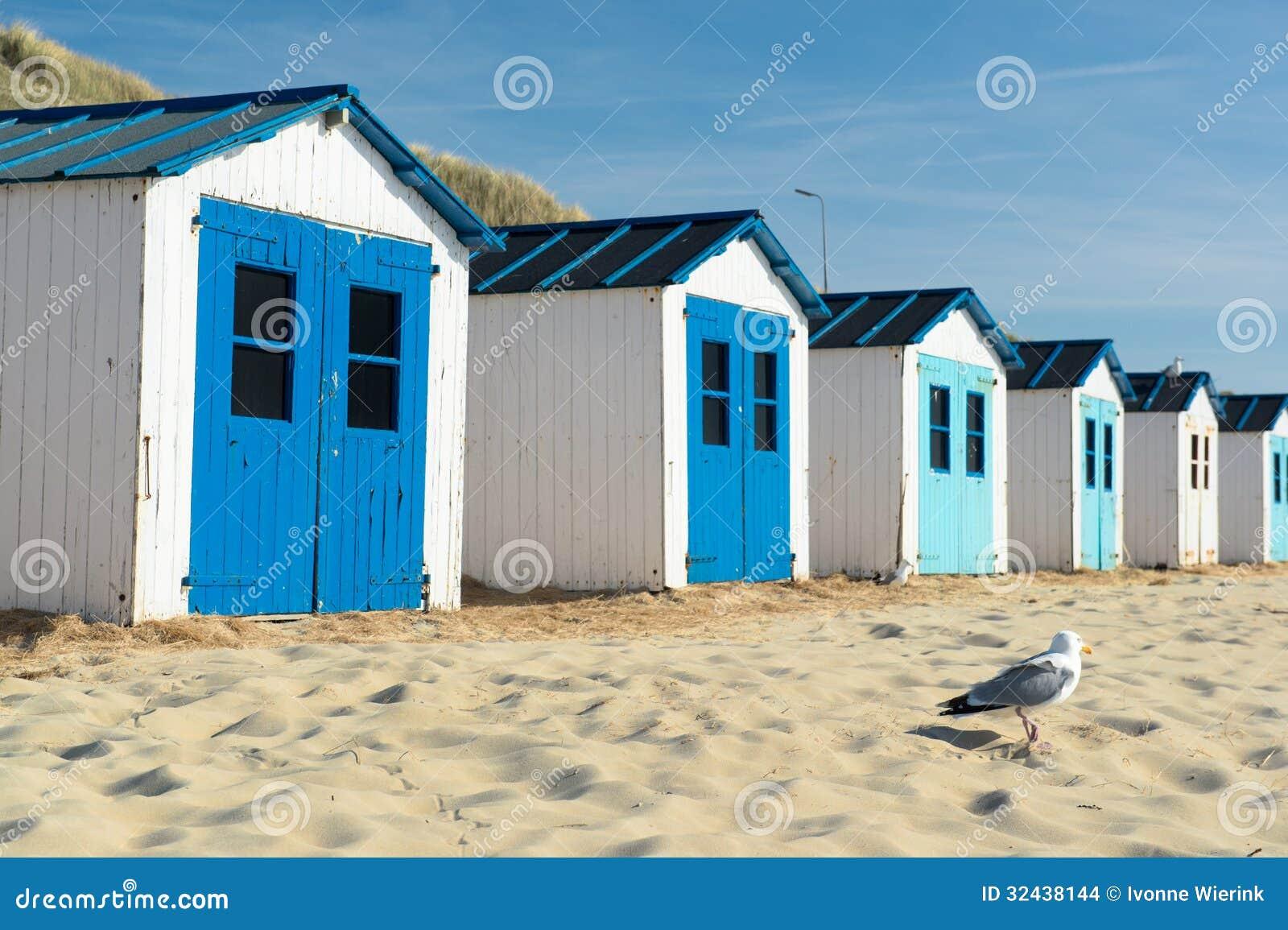 Cabanas azuis da praia