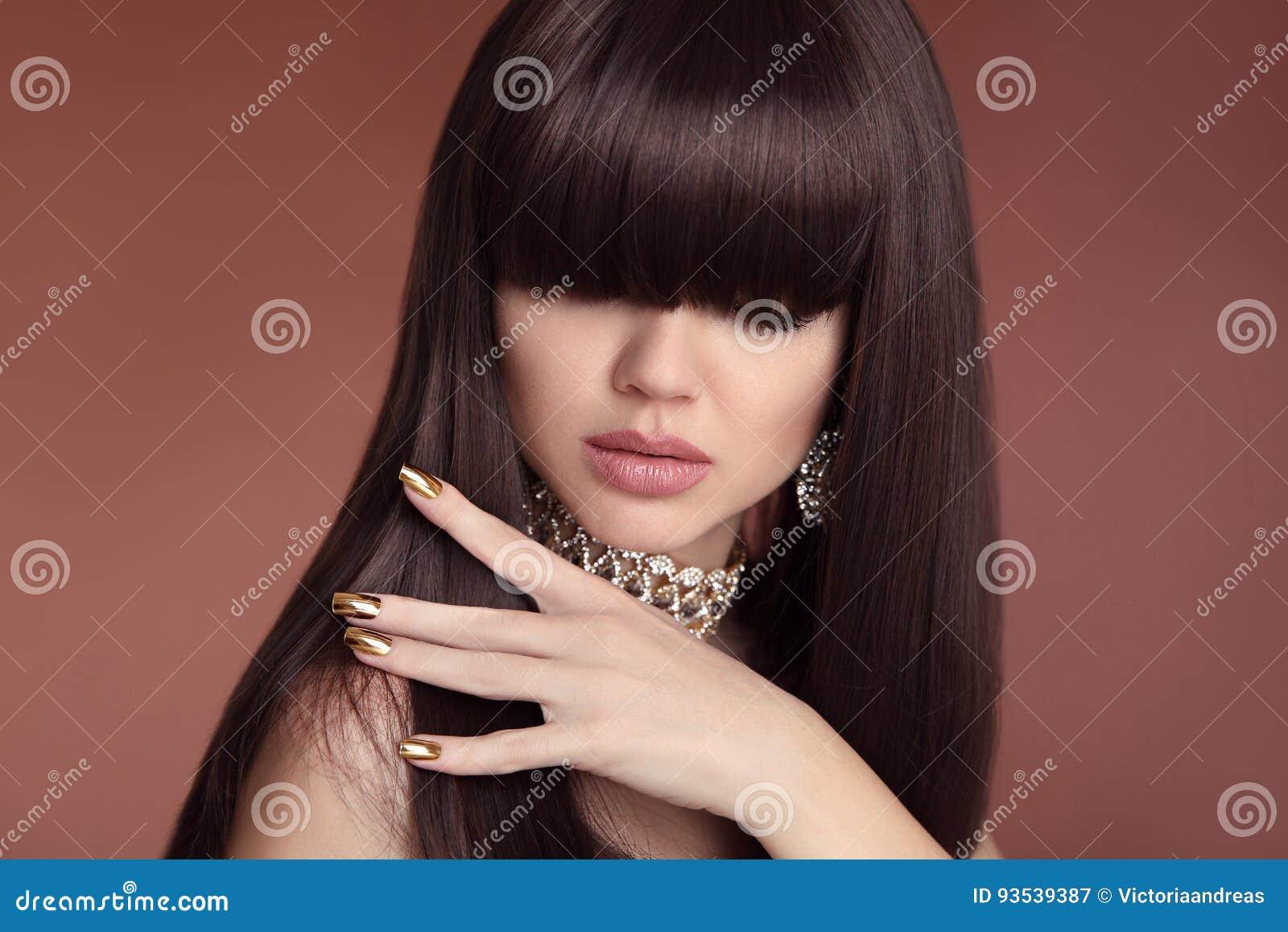 Cabelo da beleza Penteado de Vogue Tratamento de mãos da forma Retrato do gorg
