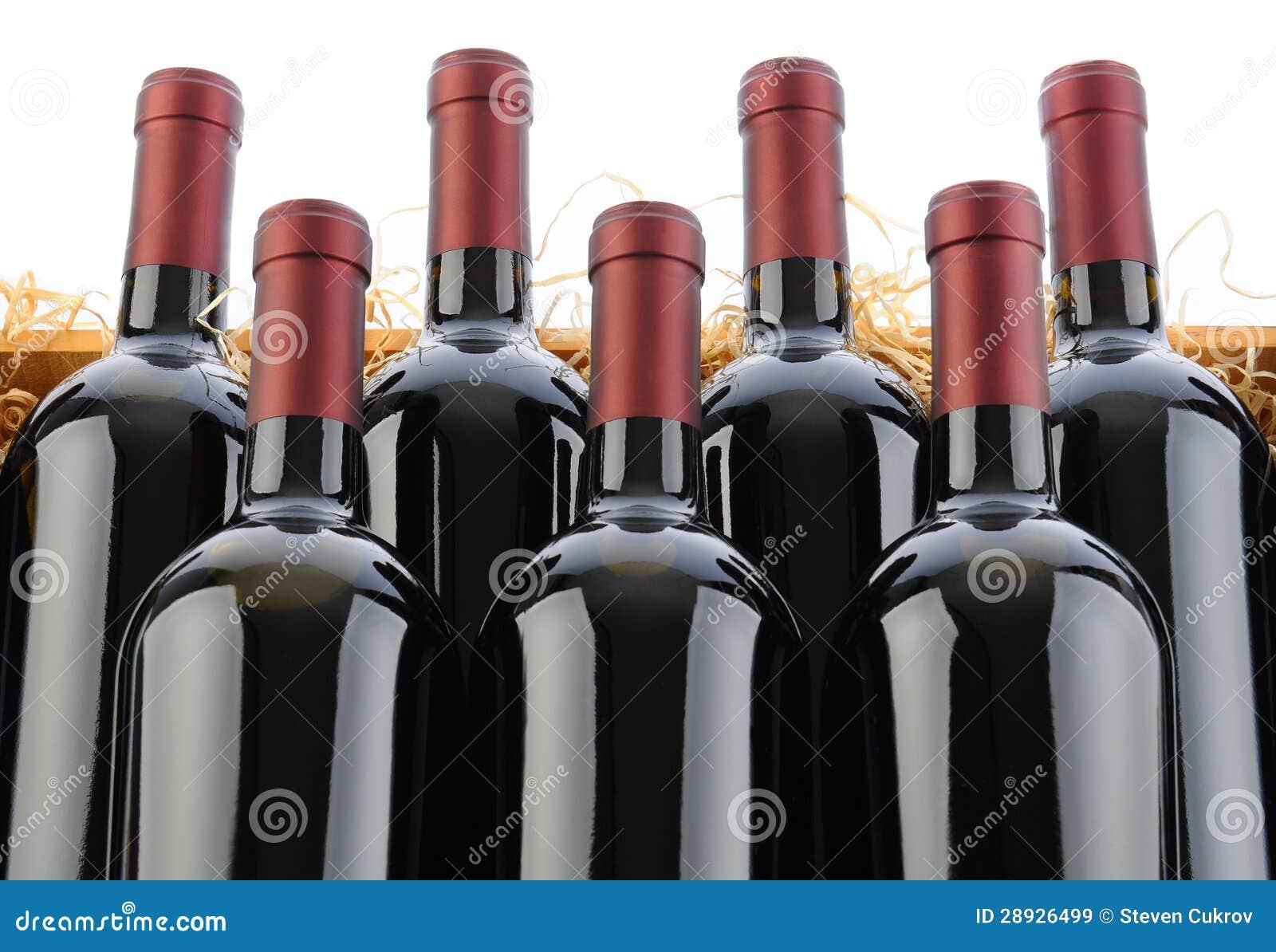 Cabernet - Sauvignon de Flessen van de Wijn in Krat met Stro