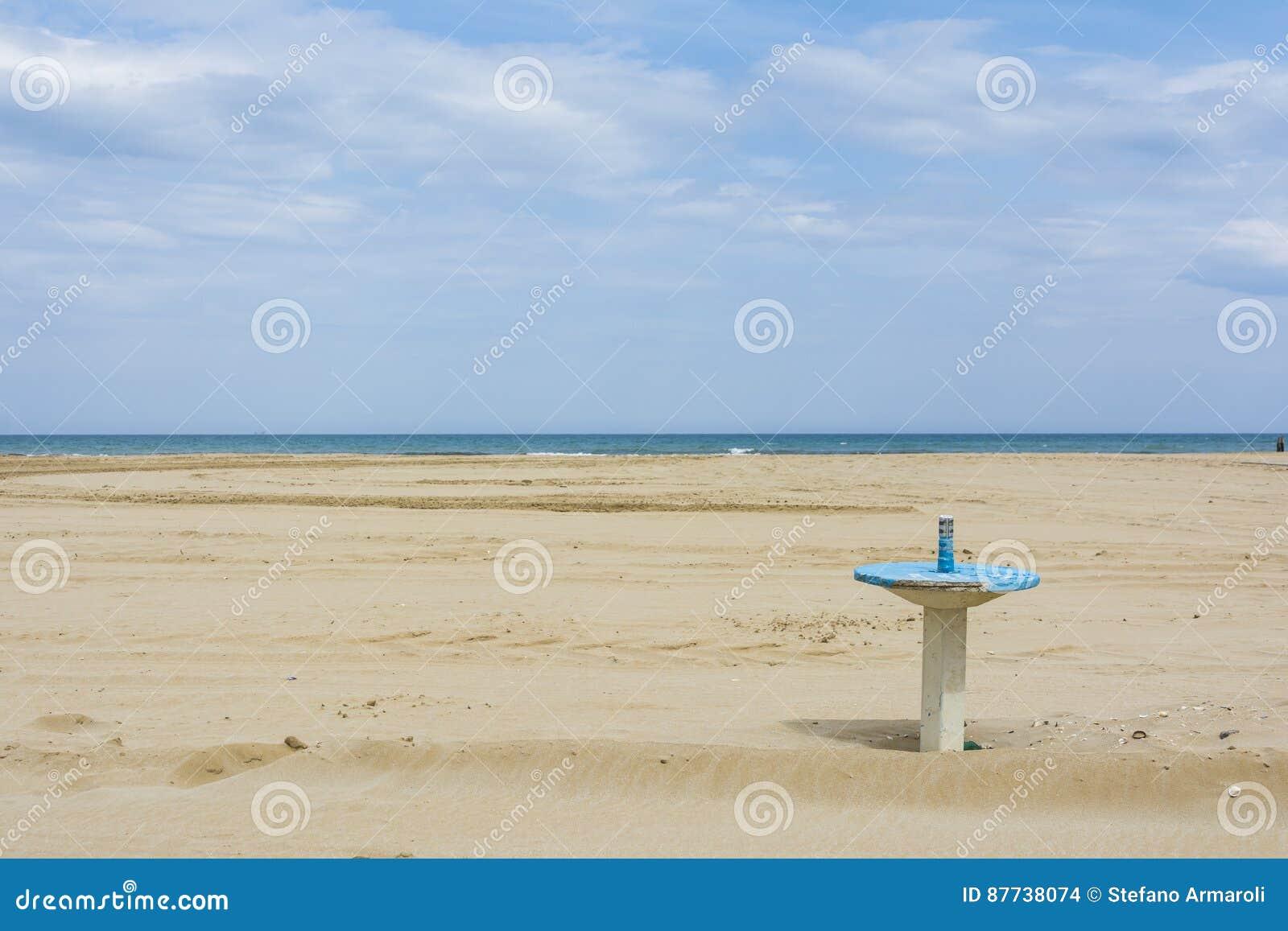 Cabina del mare di rimini fotografia stock immagine di for Cabina del biscotto di marthastewart com