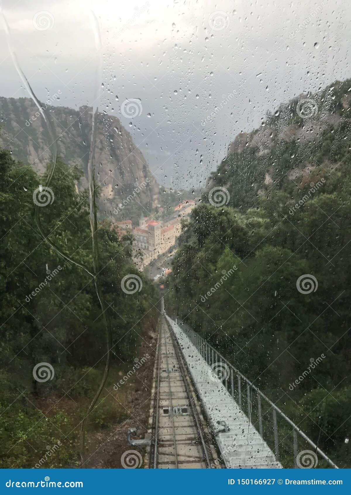 Cabina di funivia a Montserrat Mountain
