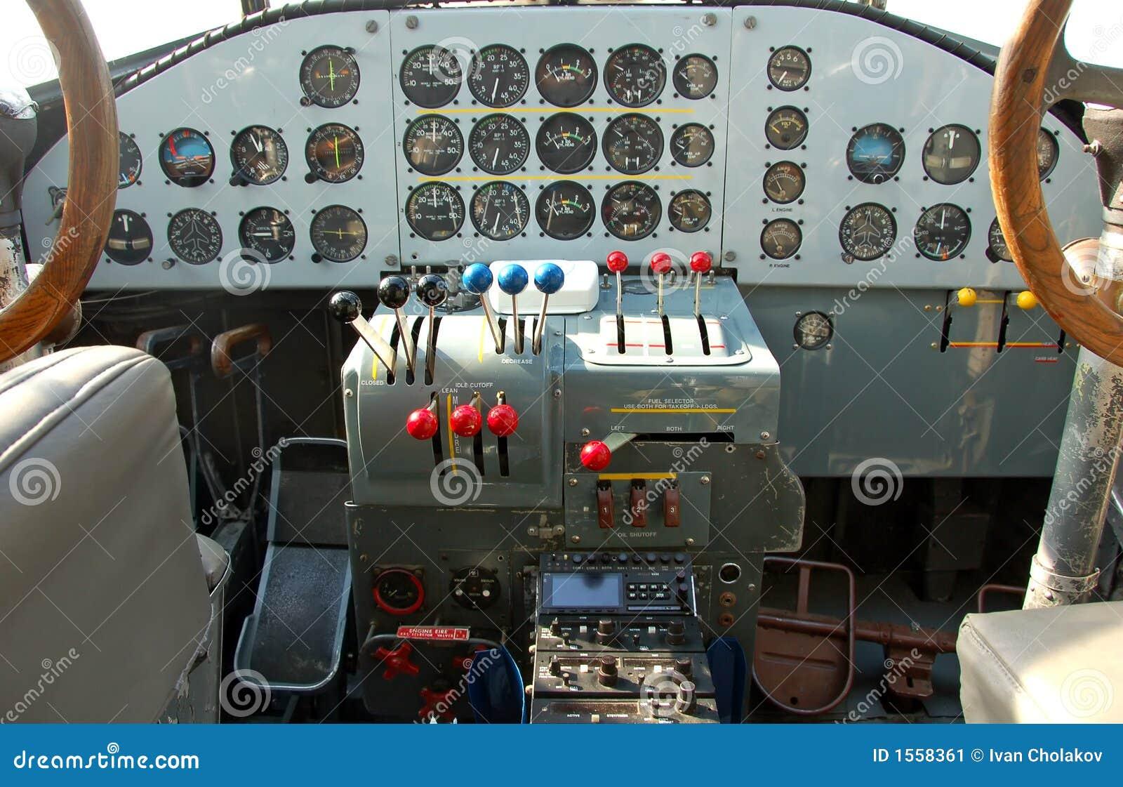 Cabina di guida dell 39 aeroplano di luftwaffe immagine stock for Planimetrie della cabina di log gratuito