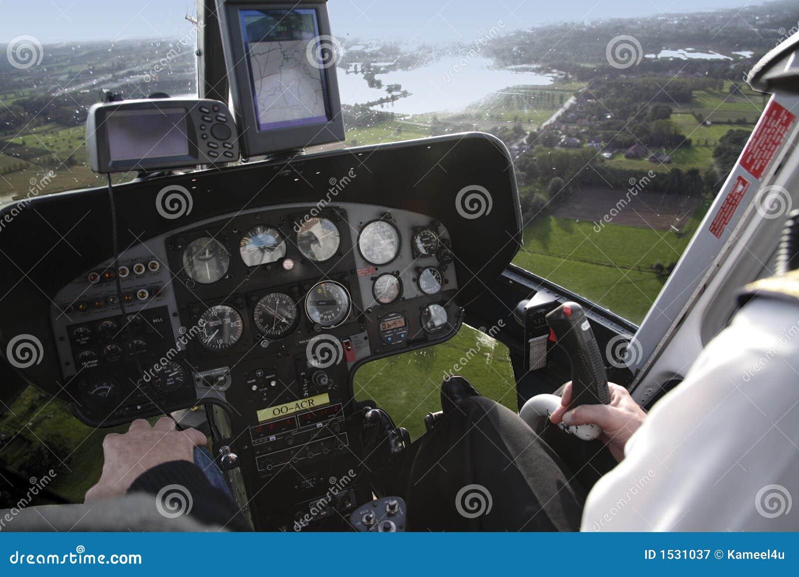 Cabina di guida dell elicottero