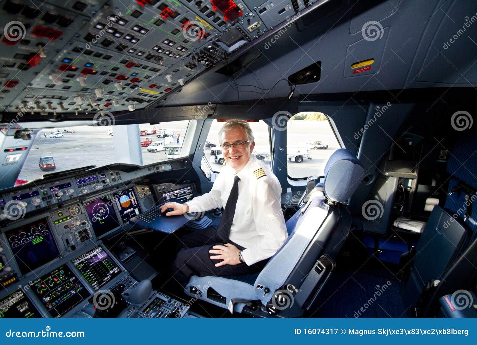 Cabina di guida e pilota del lufthansa a380 fotografia for Cabina del biscotto di marthastewart com