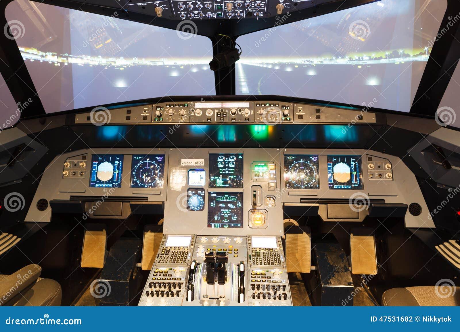 cabina di pilotaggio del simulatore di volo fotografia stock immagine 47531682. Black Bedroom Furniture Sets. Home Design Ideas