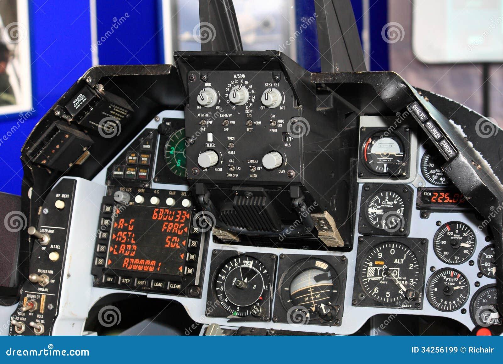 Cabina di pilotaggio dell 39 aereo da caccia immagini stock for Animali domestici della cabina di nashville