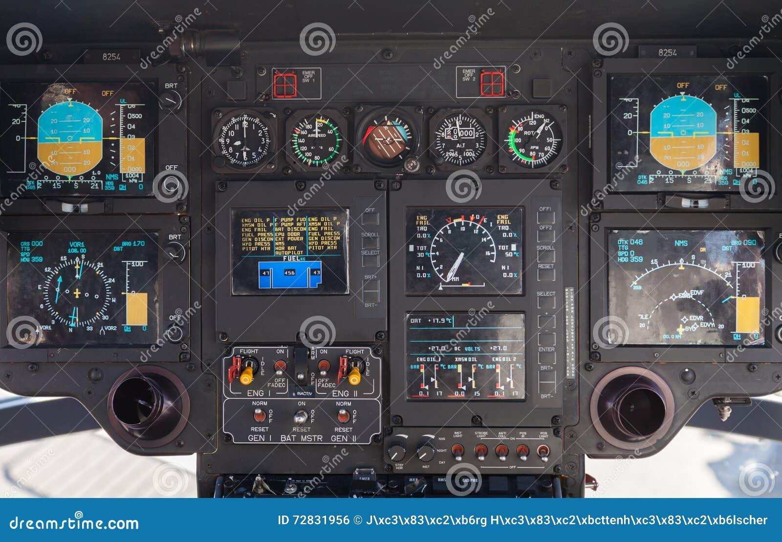 Cabina do piloto em um helicóptero do ec 135 de Airbus