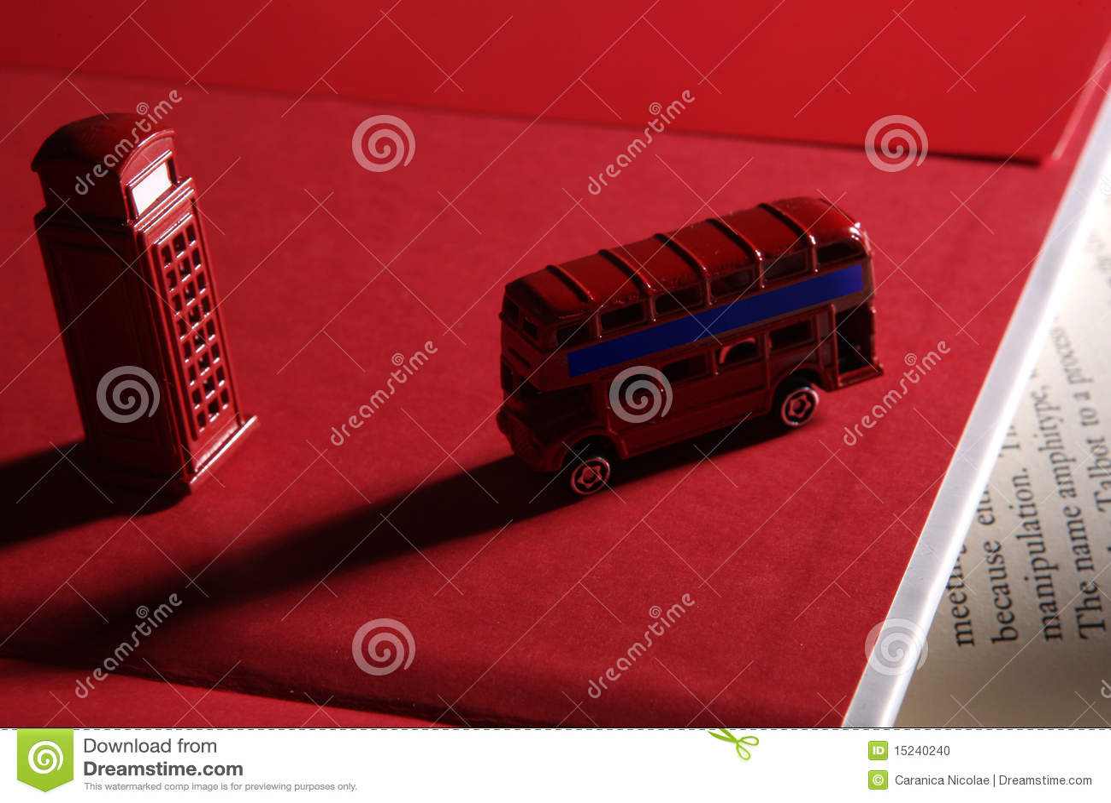 Cabina inglese di telefono e del bus fotografia stock for Cabina del biscotto di marthastewart com
