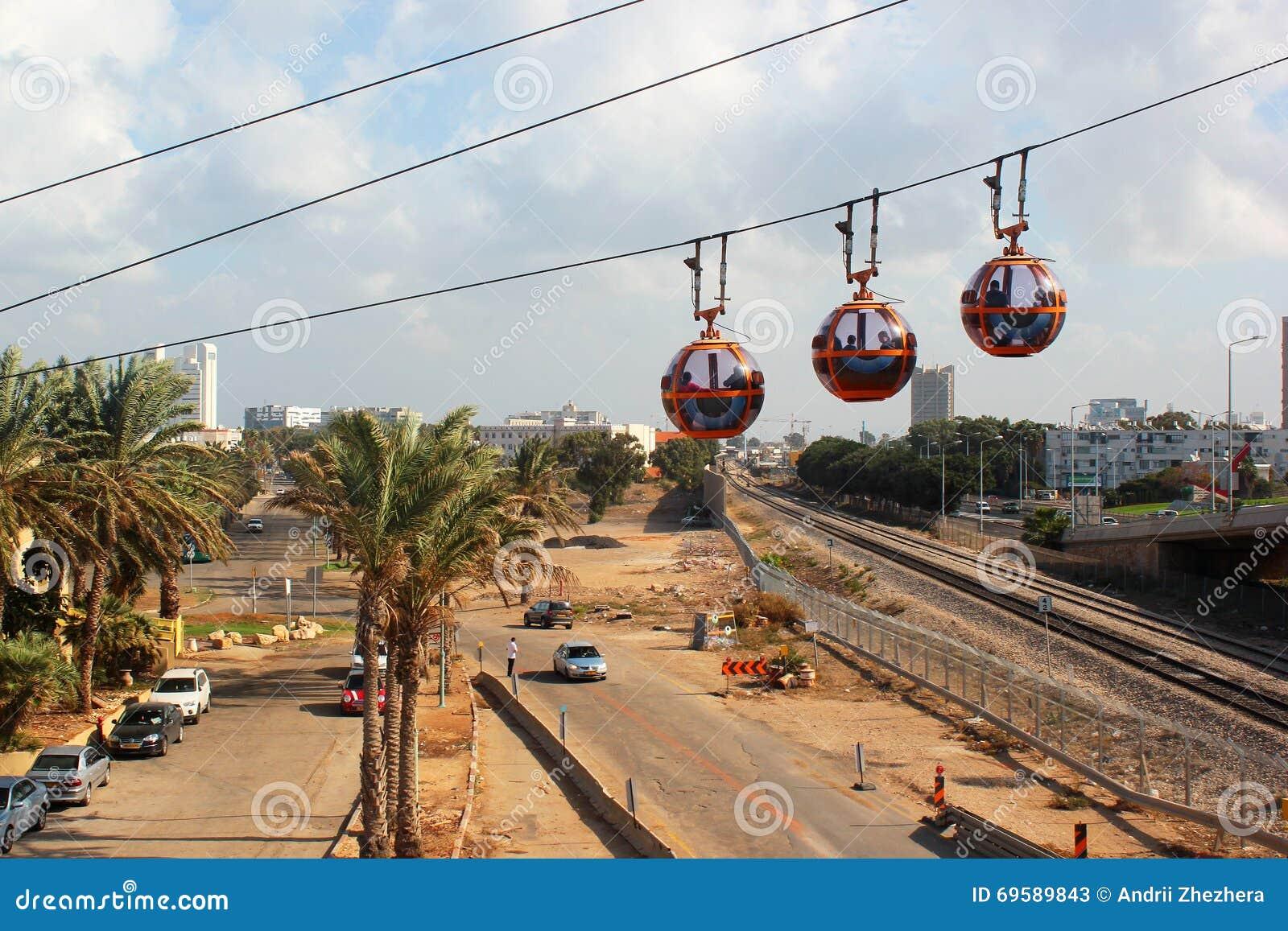 Cabinas del teleférico al top de Carmel Mountain, Haifa, Israel