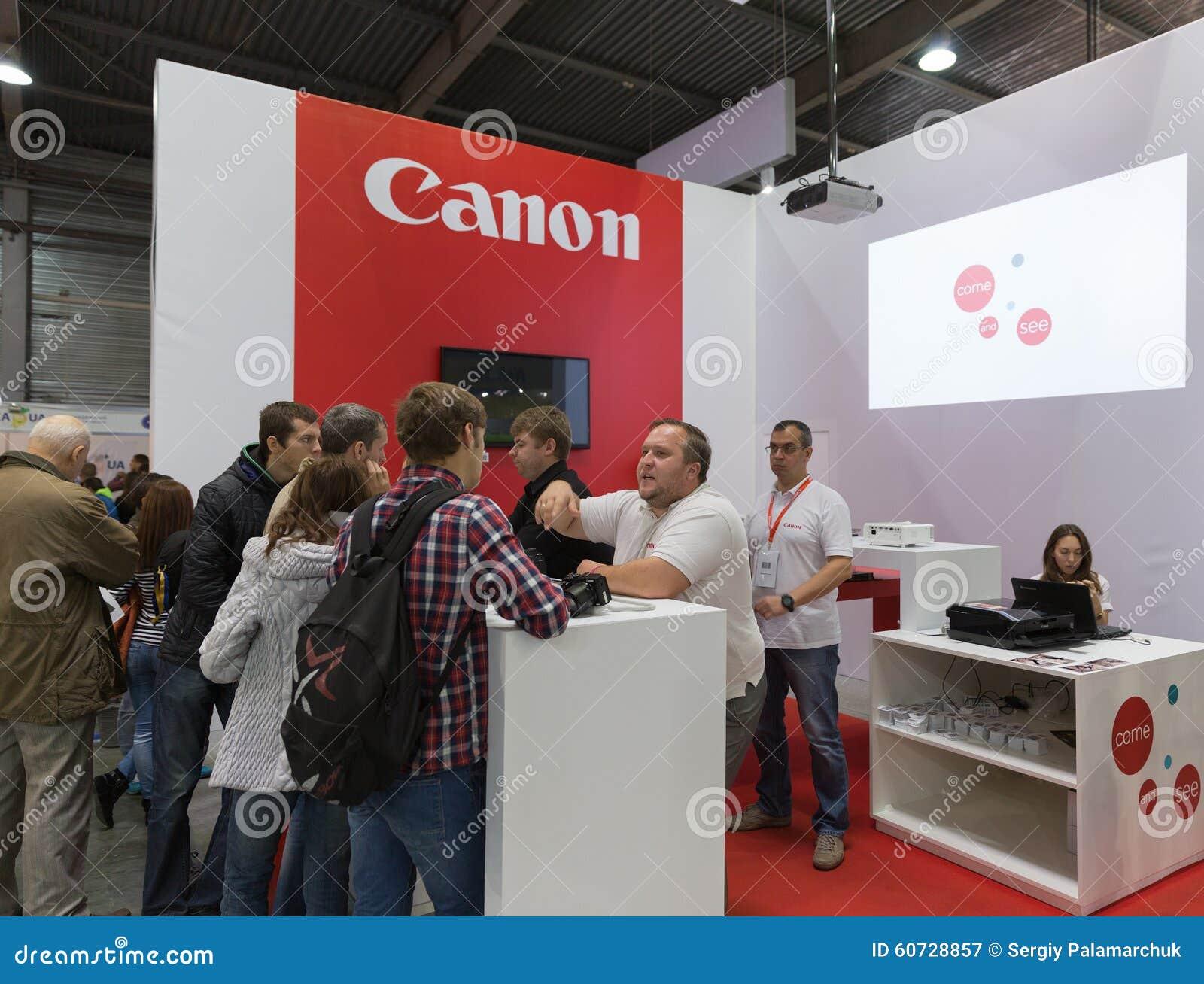 Cabine da empresa de Canon na ECO 2015, o comércio o maior s da eletrônica