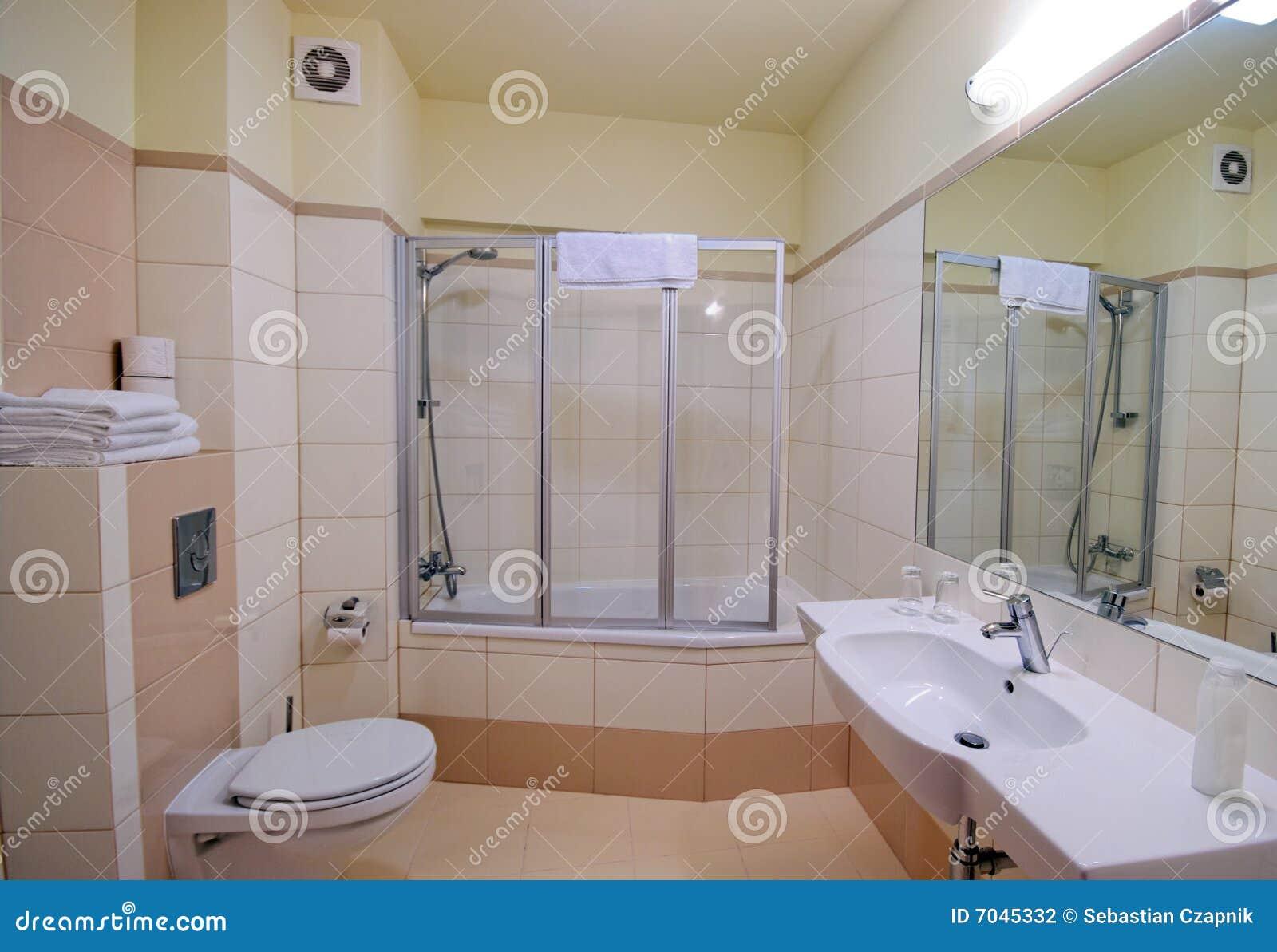 Cabine do chuveiro do banheiro foto de stock imagem de for Diseno de cuartos de bano con ducha