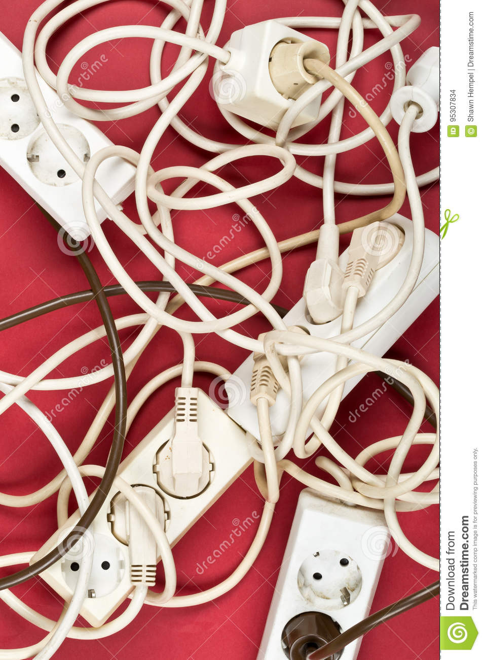 Cable Chaos Clutter From Multiple Electric Wire Extension Cords How To Cord Plug