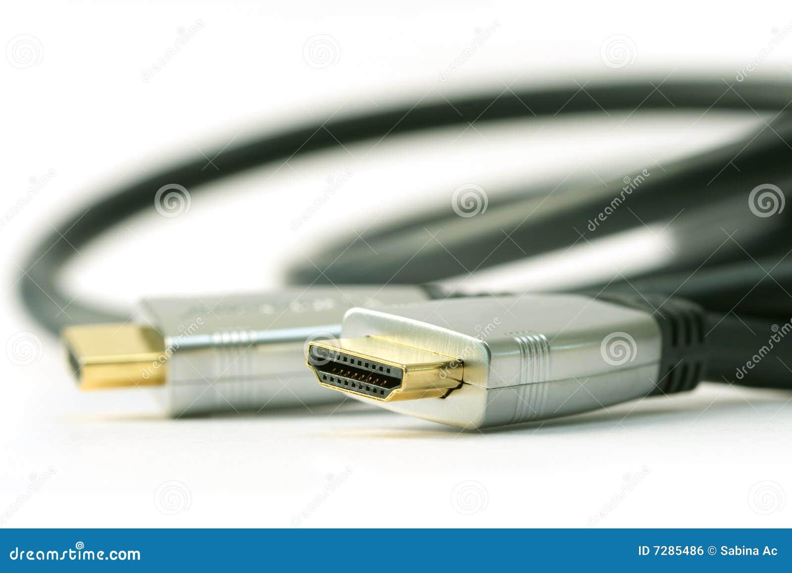 Cable de HDMI en el fondo blanco