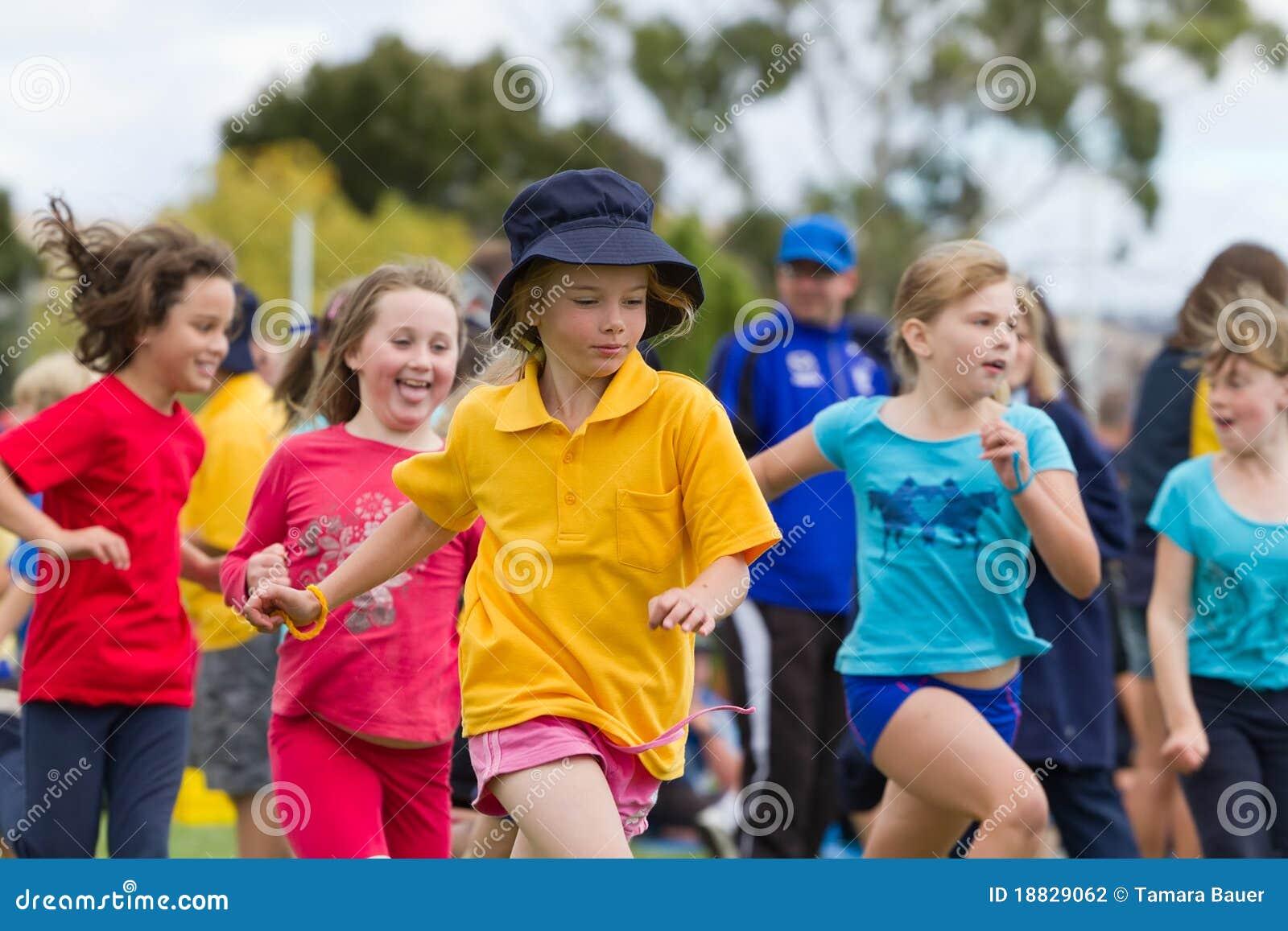 Cabritos en raza de los deportes