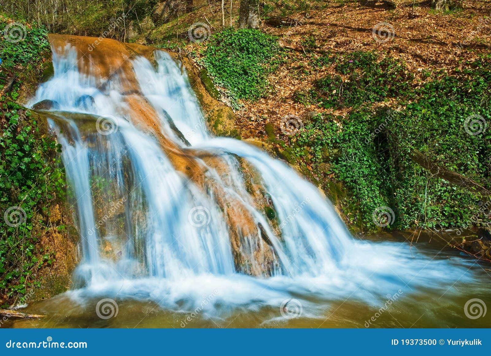 Cachoeira bonita da mola
