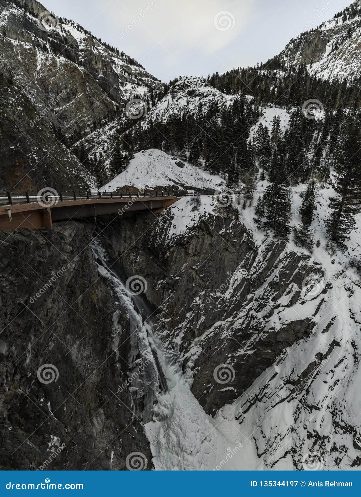 Cachoeira, Colorado, co, EUA, curso, estrada, tardio, nivelando o tiro, exposição longa