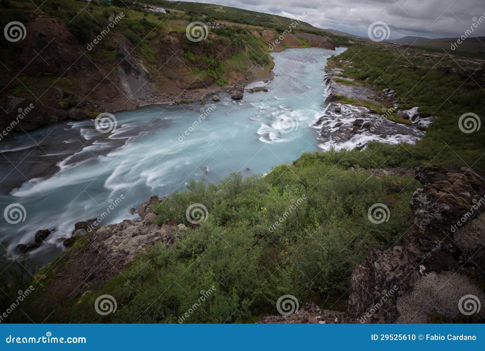 Cachoeira de Hraunfossar