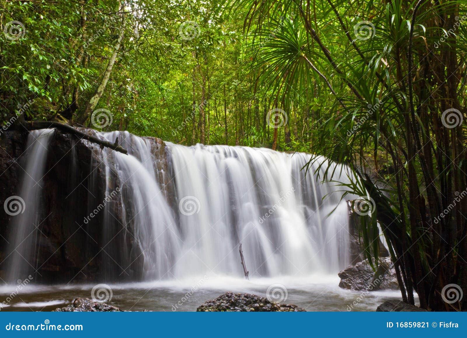 Cachoeira de Suoi Tranh em Phu Quoc,