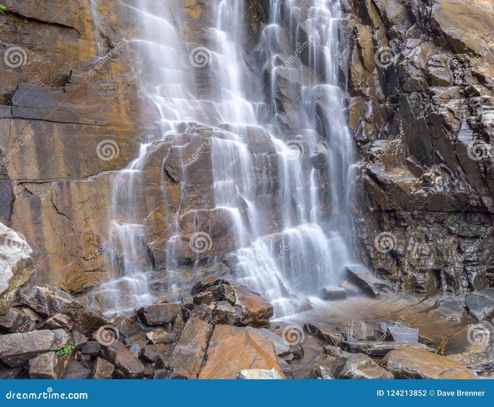 Cachoeira na rocha da chaminé, NC