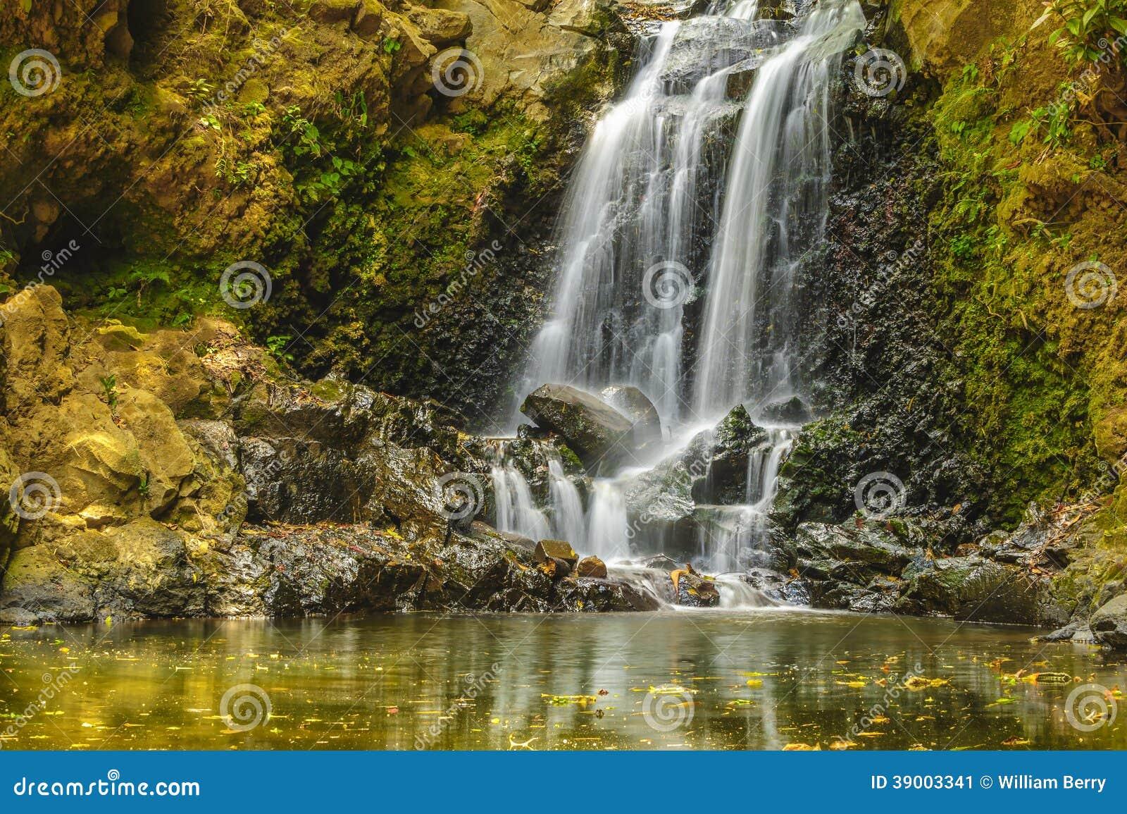 Cachoeira pequena da cascata