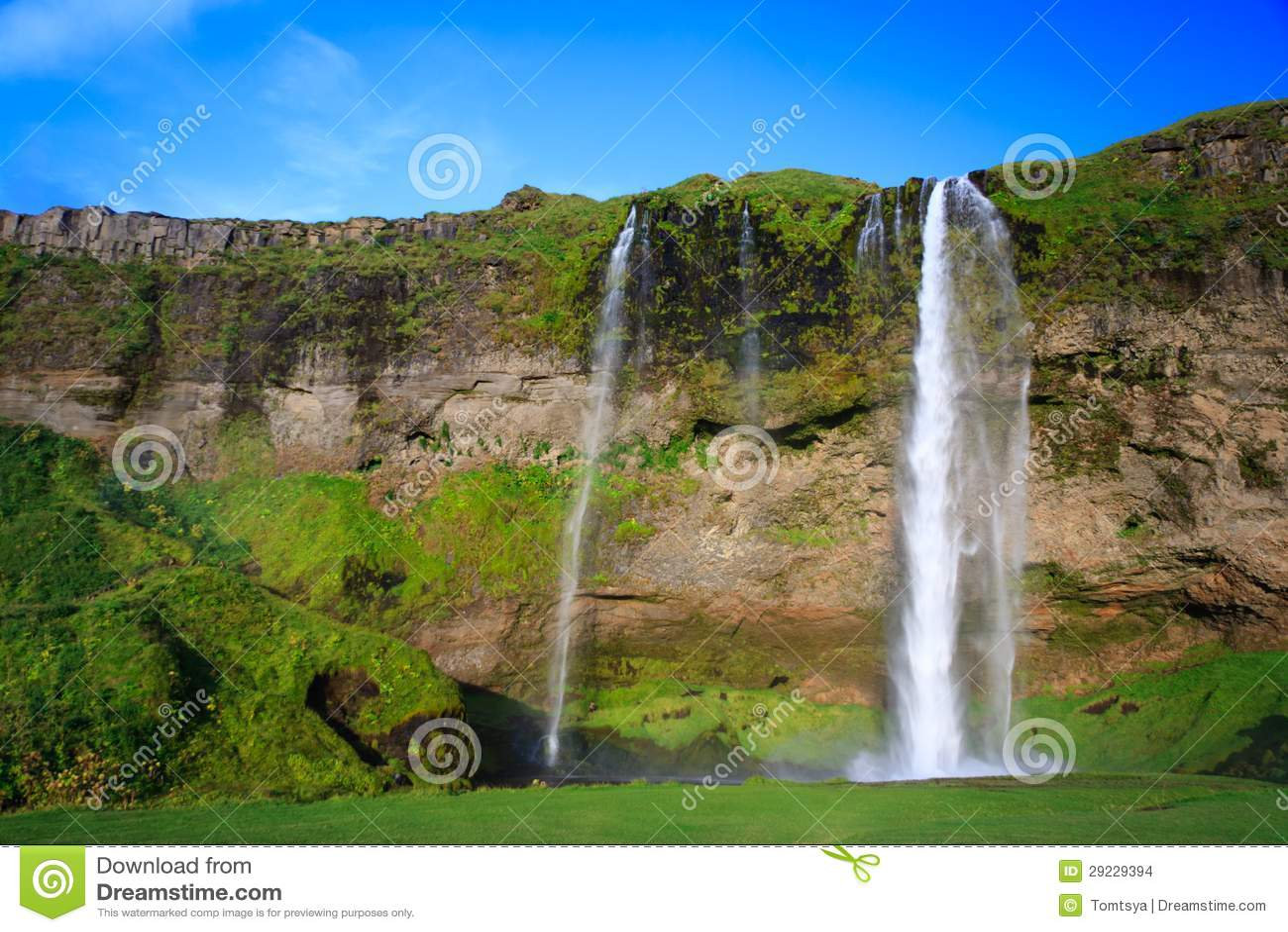Download Cachoeira Surpreendente Em Islândia Foto de Stock - Imagem de outdoor, pitoresco: 29229394
