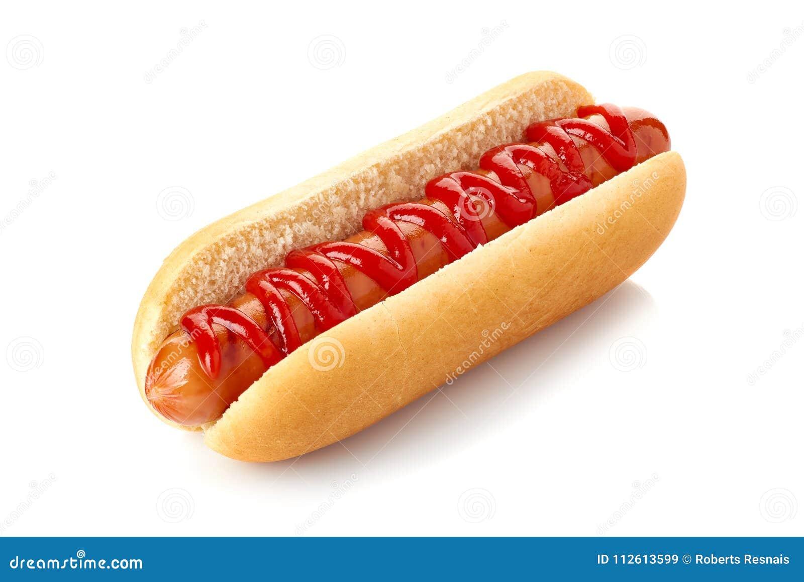 Cachorro quente com ketchup no branco